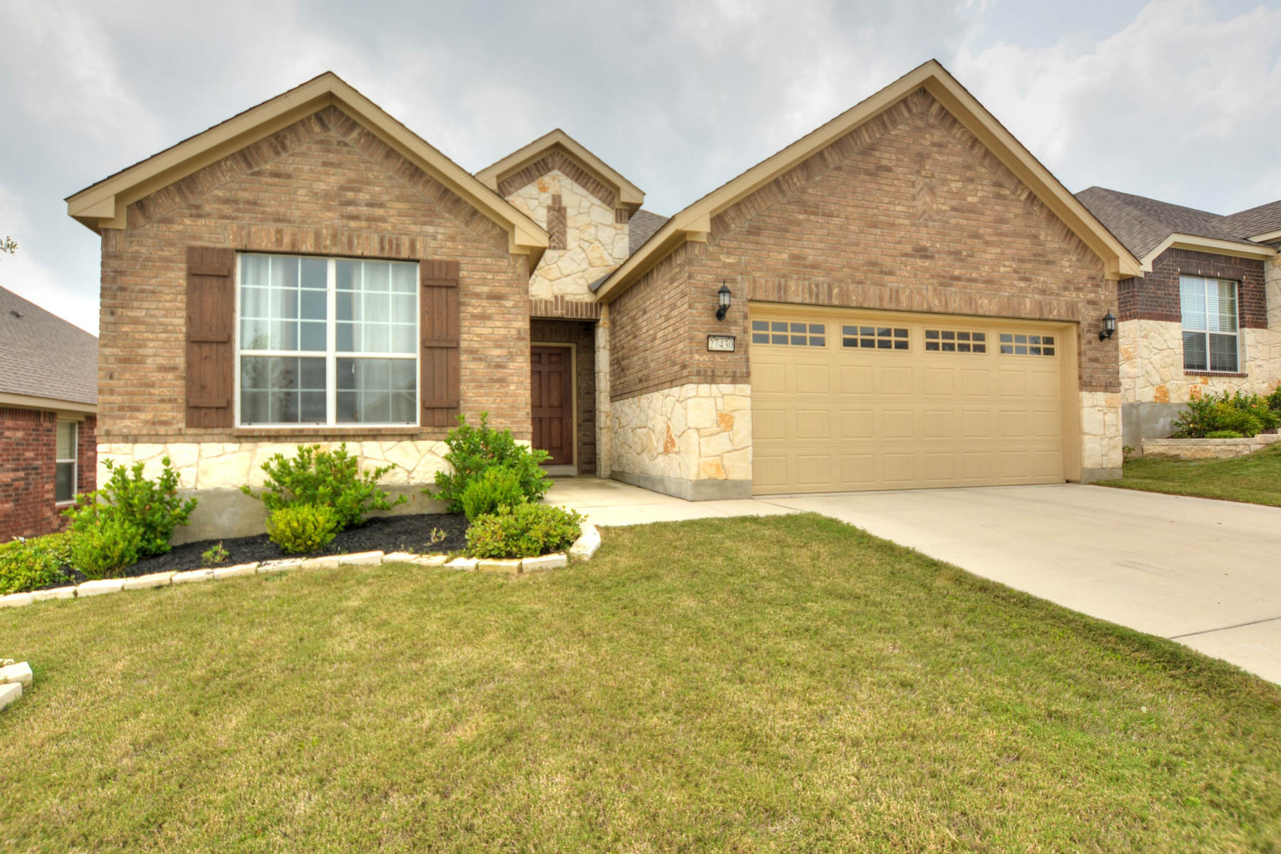 Additional photo for property listing at Beautiful Property in Gated Community in Boerne 27430 Valle Bluff Boerne, Texas 78015 United States