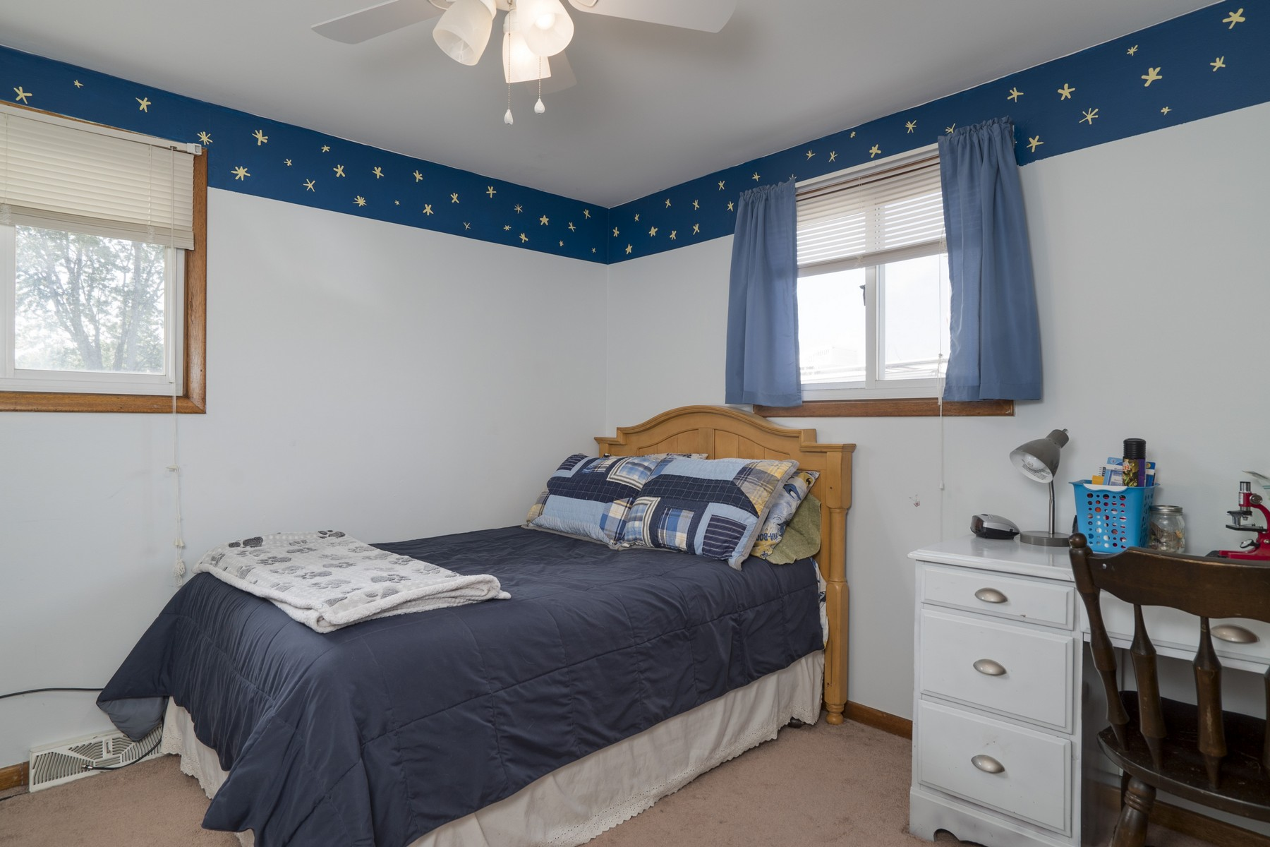 Additional photo for property listing at Home, Sweet Home in West Seneca! 21  Queens Dr West Seneca, Nueva York 14224 Estados Unidos