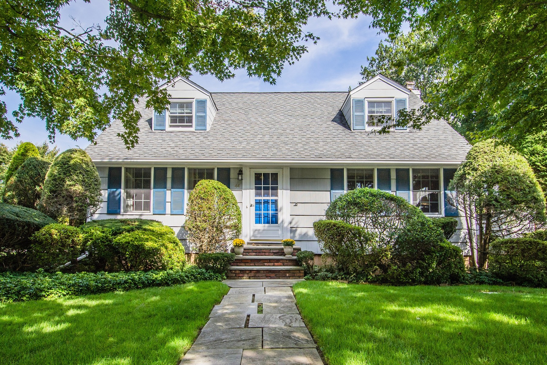 Einfamilienhaus für Verkauf beim Exp Cape 44 Richard Rd East Norwich, New York 11732 Vereinigte Staaten