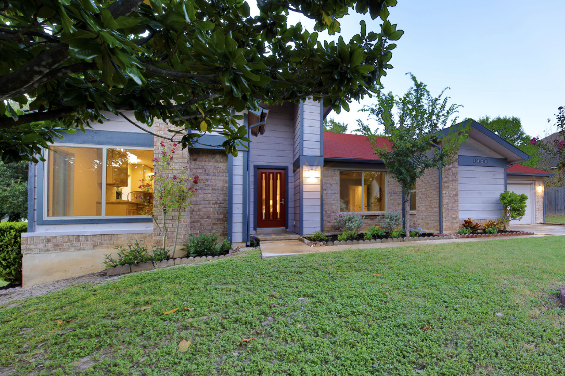 Additional photo for property listing at Completely Remodeled with Architectural Charm 1428 Gracy Dr Austin, Texas 78758 United States