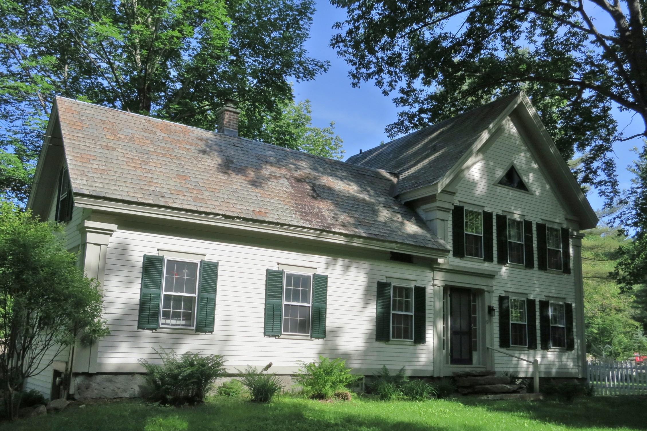 Nhà ở một gia đình vì Bán tại 69 Castle Hill Road, Jamaica 69 Castle Hill Rd Jamaica, Vermont, 05343 Hoa Kỳ