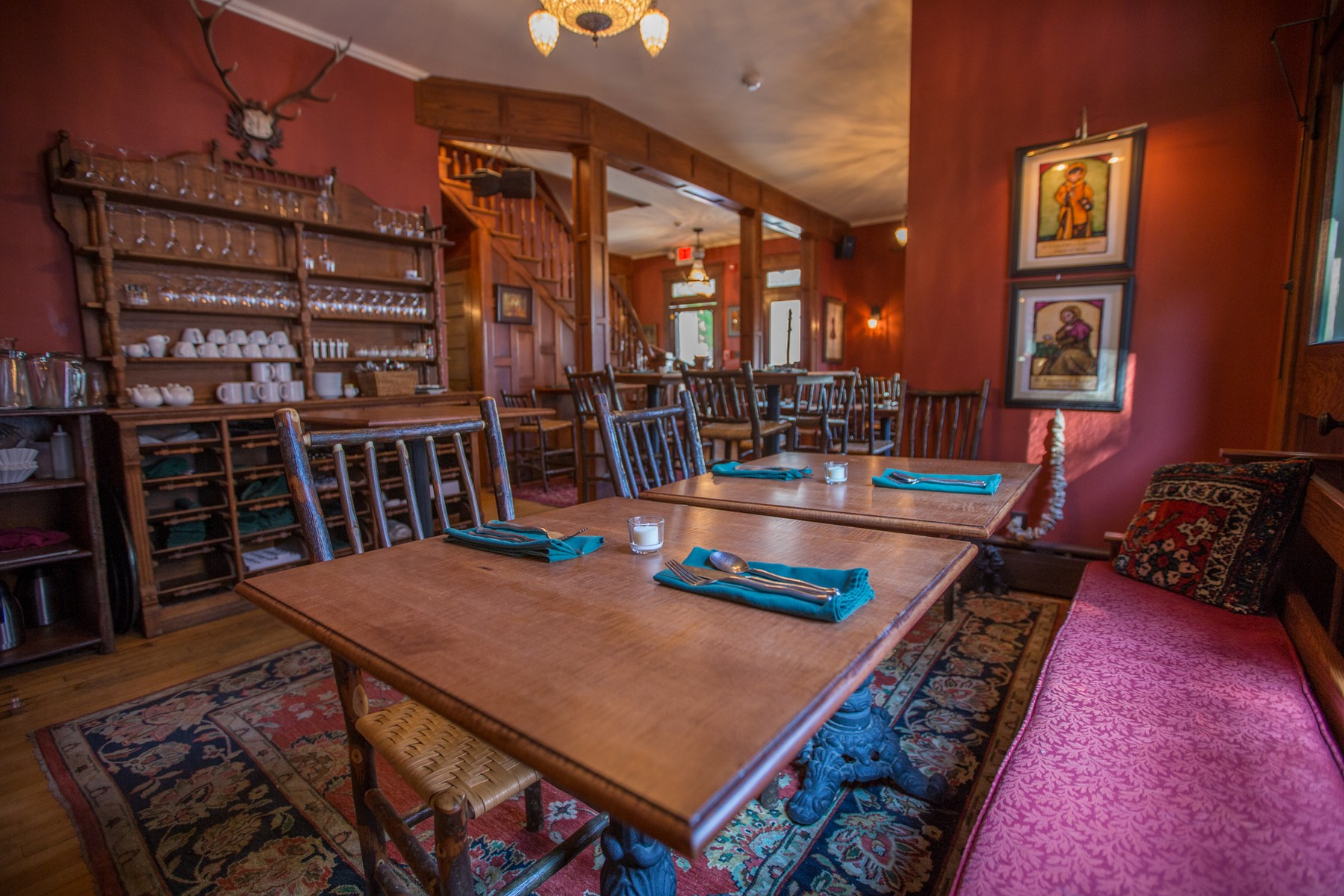 Additional photo for property listing at Gourmet Adirondack Restaurant 3046  New York 28 Old Forge, Нью-Йорк 13420 Соединенные Штаты
