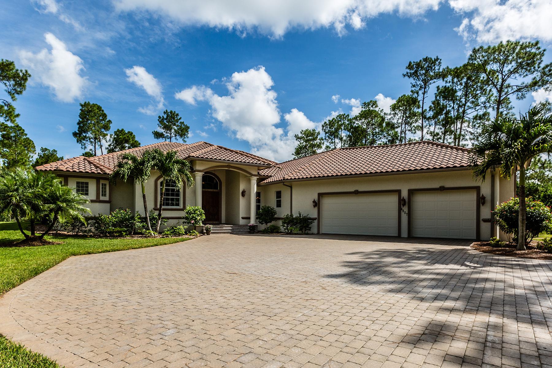 단독 가정 주택 용 매매 에 LOGAN WOODS 4807 Palmetto Woods Dr Naples, 플로리다, 34119 미국