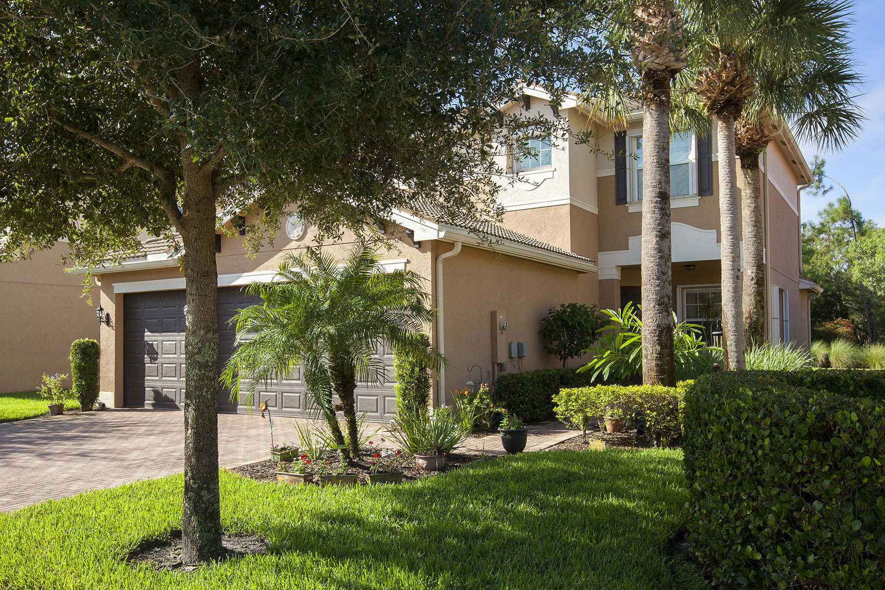独户住宅 为 销售 在 Marbella Lakes Marbella Lakes 6820 Del Mar 那不勒斯, 佛罗里达州, 34105 美国