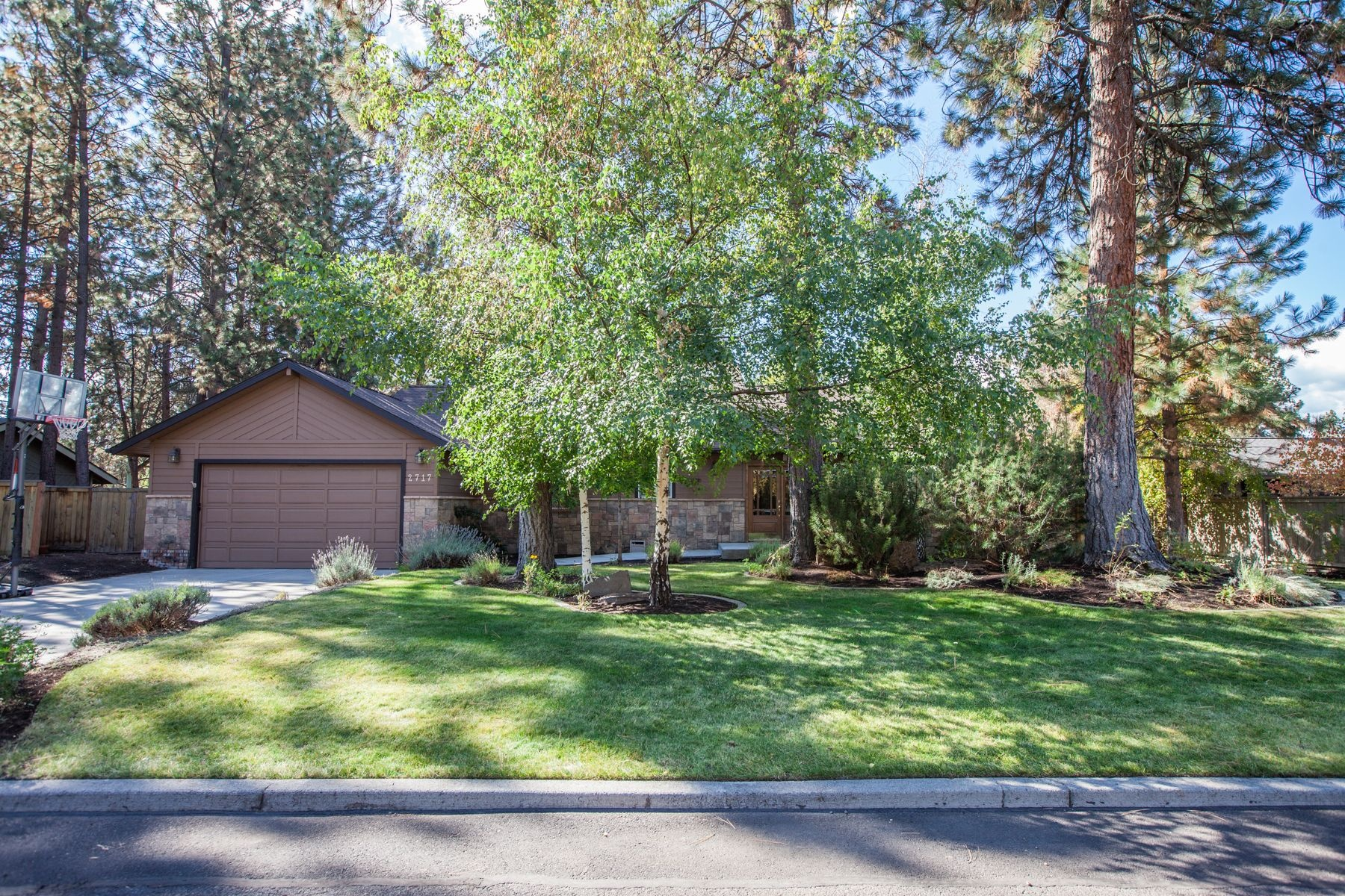 Single Family Home for Sale at 2717 NW Marken Street, BEND Bend, Oregon, 97703 United States
