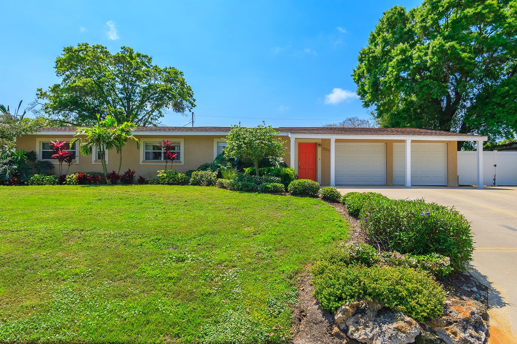 Villa per Vendita alle ore SOUTH GATE 2550 Hibiscus St Sarasota, Florida, 34239 Stati Uniti