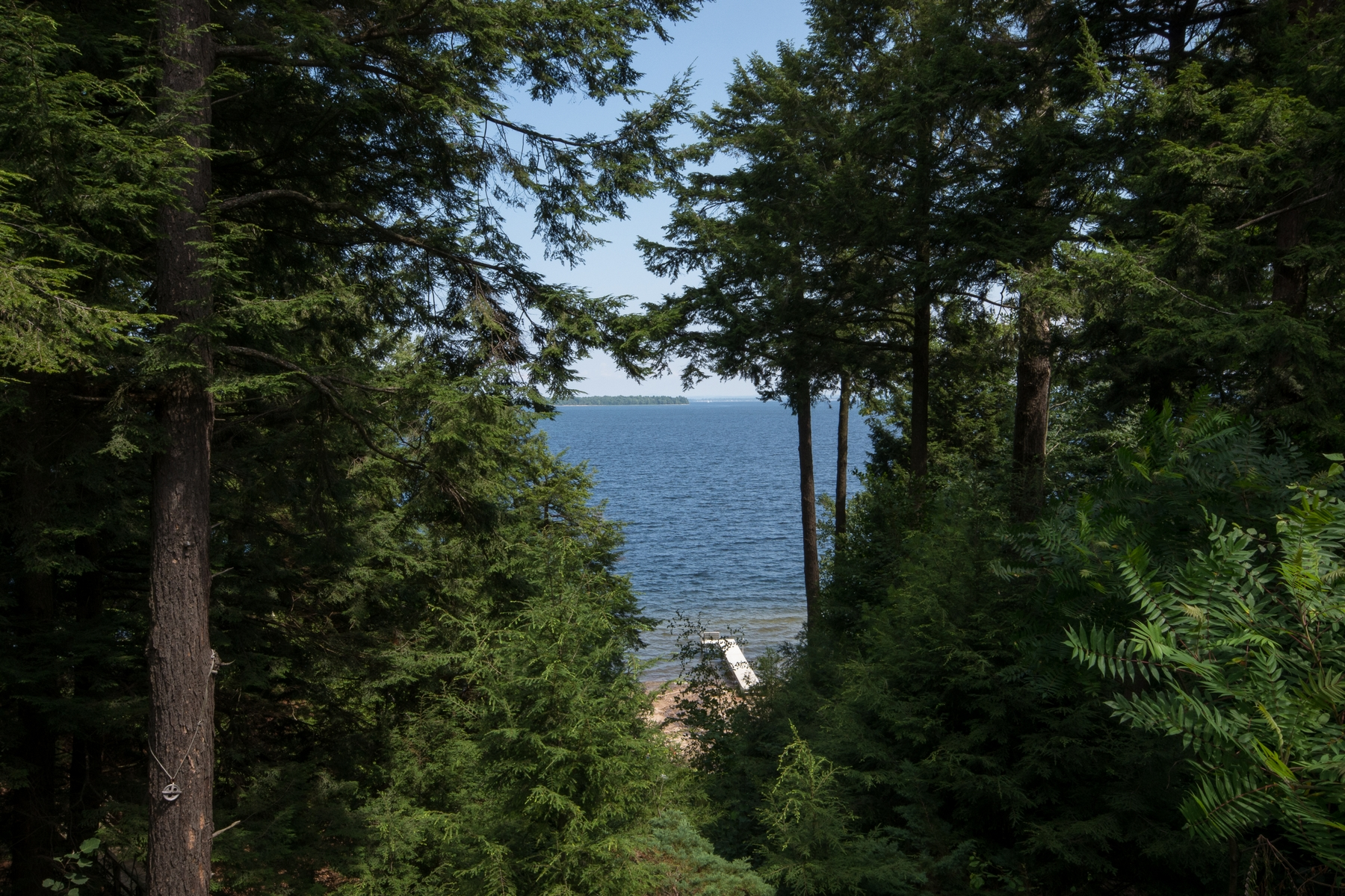 Additional photo for property listing at Lake Champlain Waterfront 24  Less Traveled Rd 基士维, 纽约州 12944 美国
