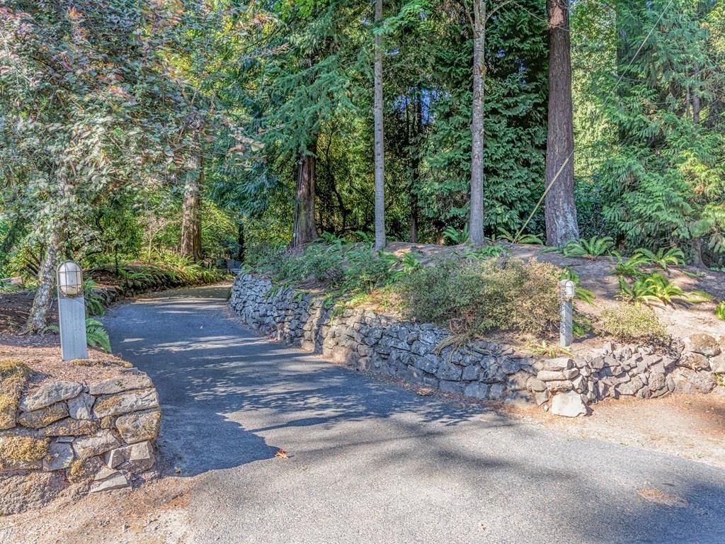 Nhà ở một gia đình vì Bán tại 11159 RIVERWOOD RD, PORTLAND 11159 SW RIVERWOOD Rd Portland, Oregon 97219 Hoa Kỳ