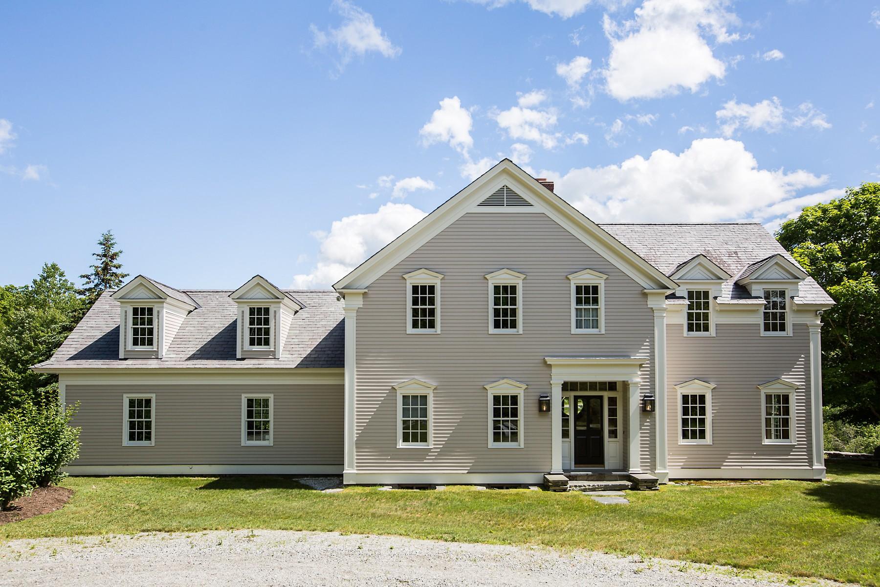 Maison unifamiliale pour l Vente à 1426 Goodaleville Rd, Londonderry Londonderry, Vermont, 05155 États-Unis