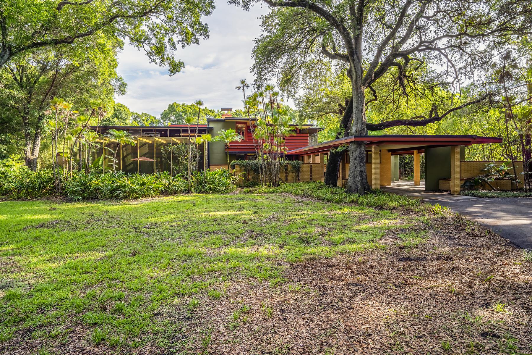 Maison unifamiliale pour l Vente à SUNNYBROOK FARMS 1622 Sunnybrook Ln Clearwater, Florida, 33764 États-Unis