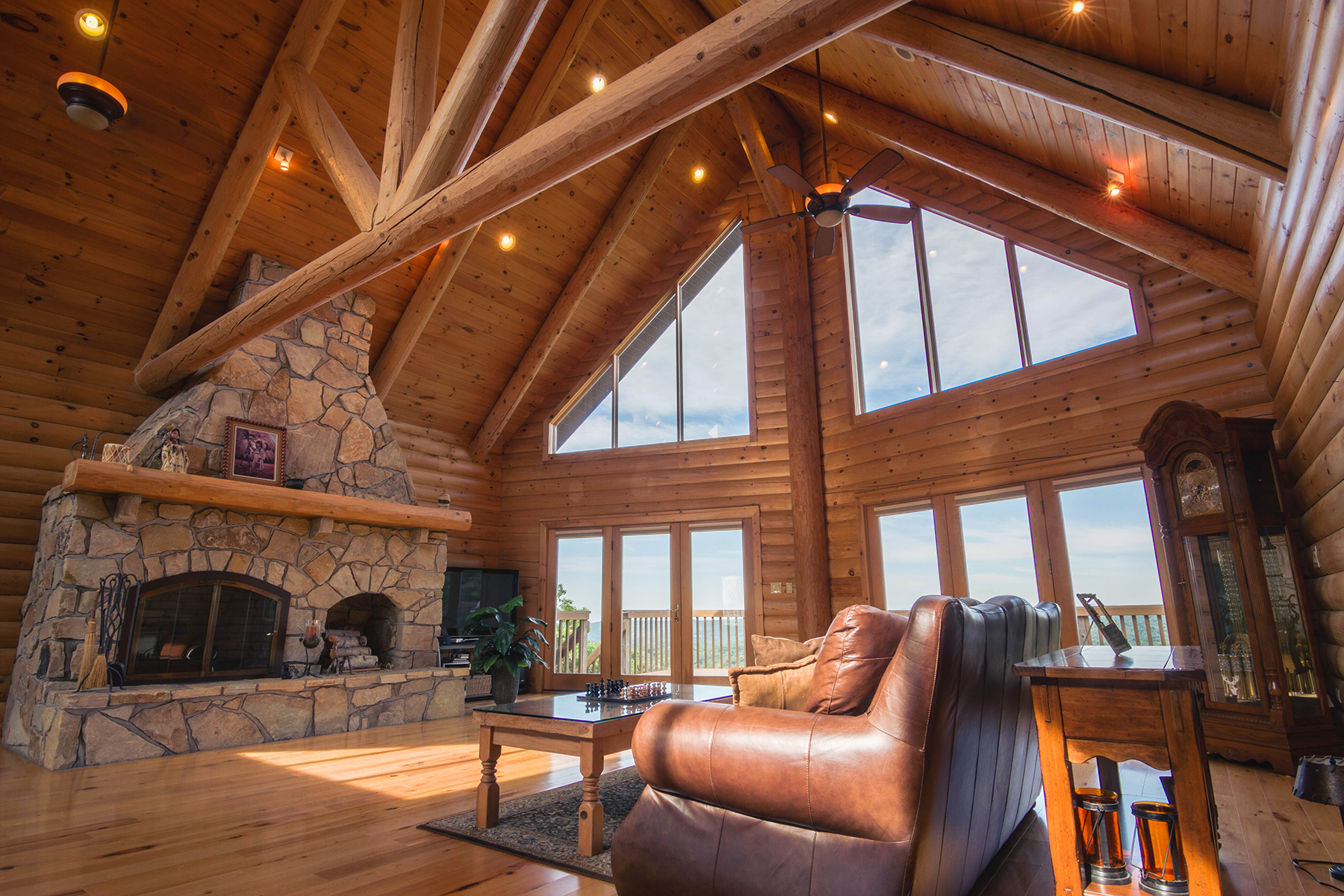 Additional photo for property listing at Mountain Top Log Home on 127 Acres 270  Harrington Drive Austerlitz, New York 12017 États-Unis