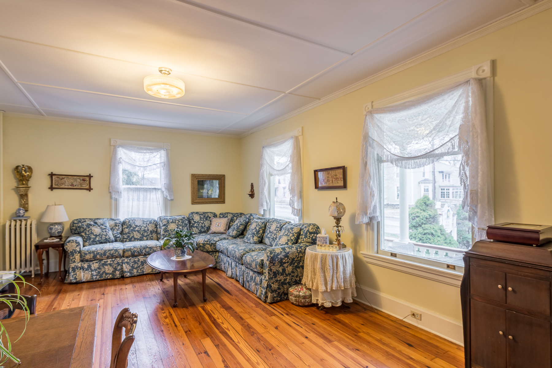 Additional photo for property listing at Victorian Gem in the Heart of Cooperstown 88  Chestnut St Cooperstown, Nueva York 13326 Estados Unidos