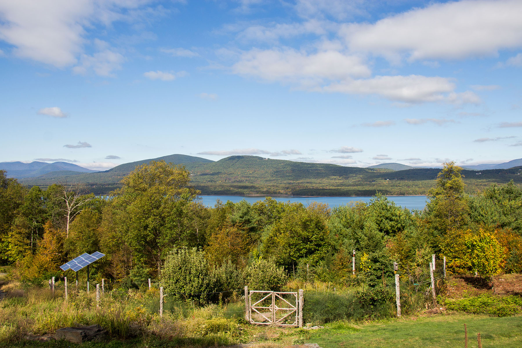 Additional photo for property listing at Spectacular View of Ashokan Reservoir 1107  State Route 28a West Hurley, Нью-Йорк 12491 Соединенные Штаты