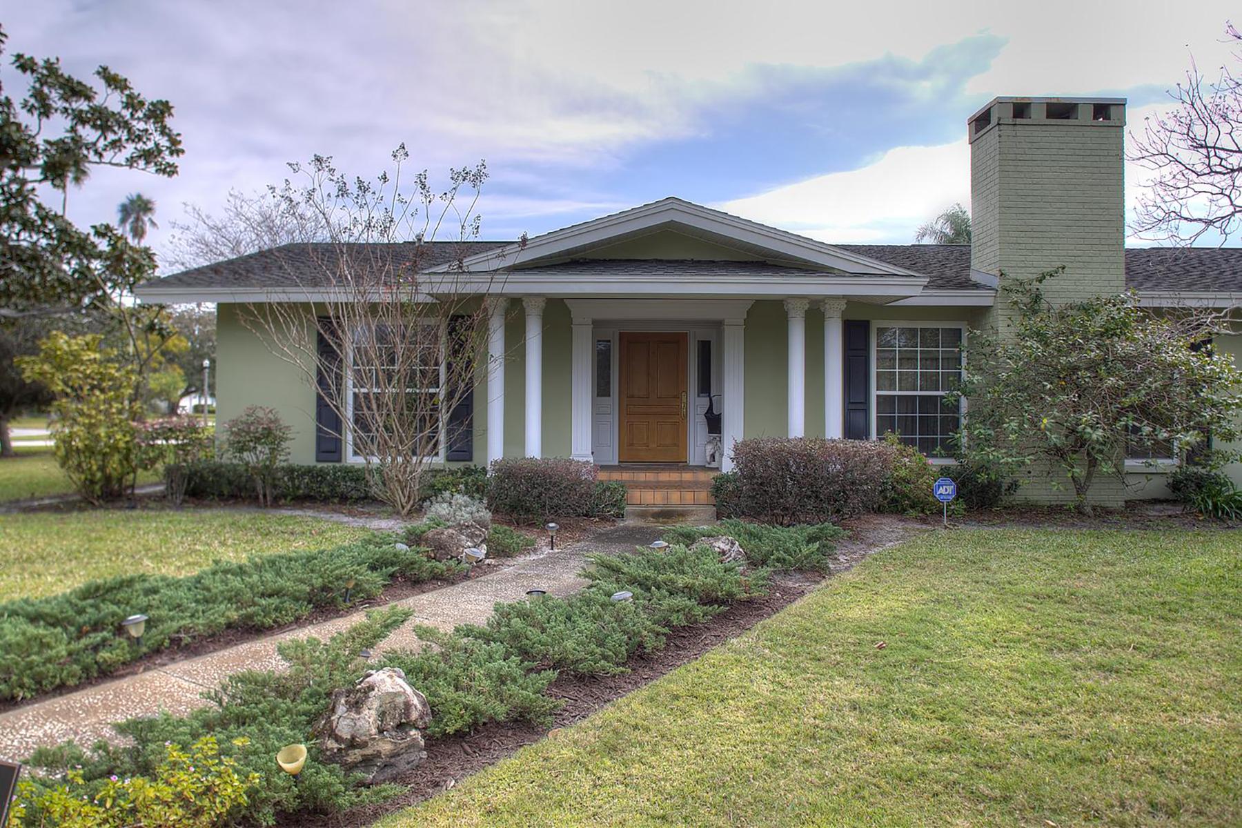 Einfamilienhaus für Verkauf beim BELLEAIR 403 Osceola Rd Belleair, Florida, 33756 Vereinigte Staaten