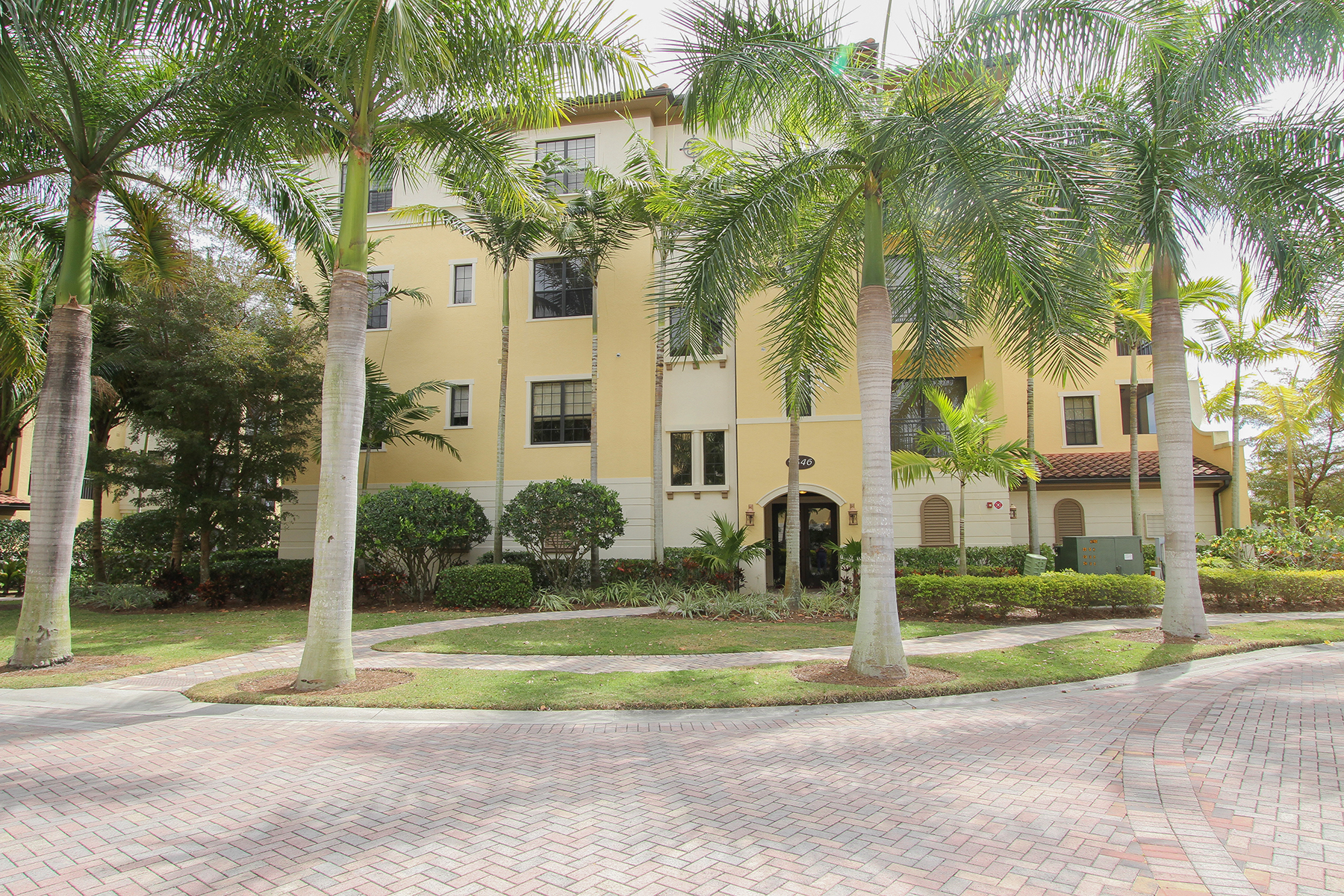 Property Of 2546 Marquesa Royale Ln , 7-201, Naples, FL 34109
