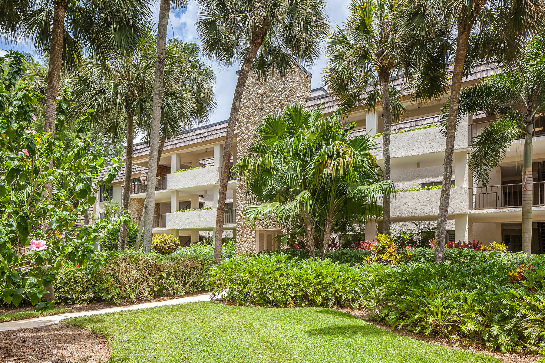 Condominio per Vendita alle ore WILDERNESS - WILDERNESS COUNTRY CLUB 100 Wilderness Way B-146 Naples, Florida, 34105 Stati Uniti