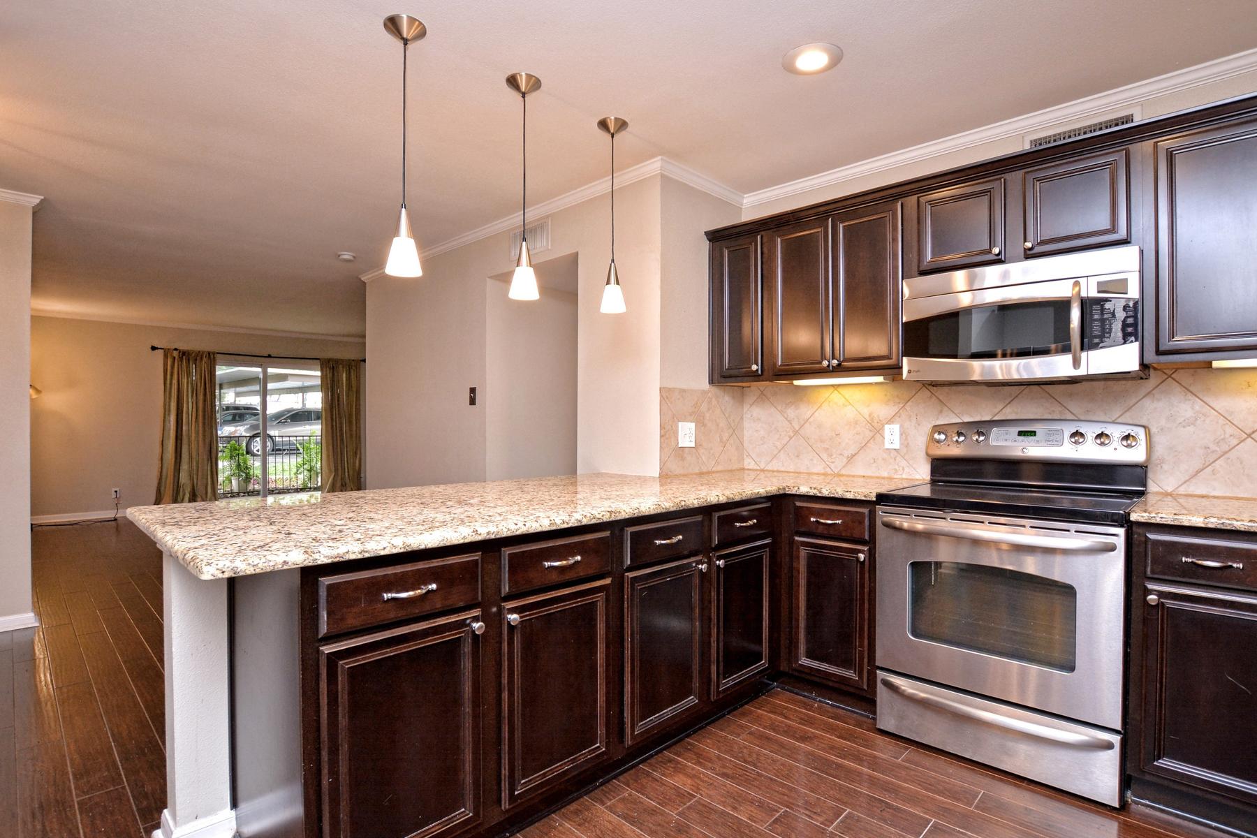 Additional photo for property listing at Fantastic Condo in Villa Dijon 100 Lorenz Rd 301 San Antonio, Texas 78209 United States
