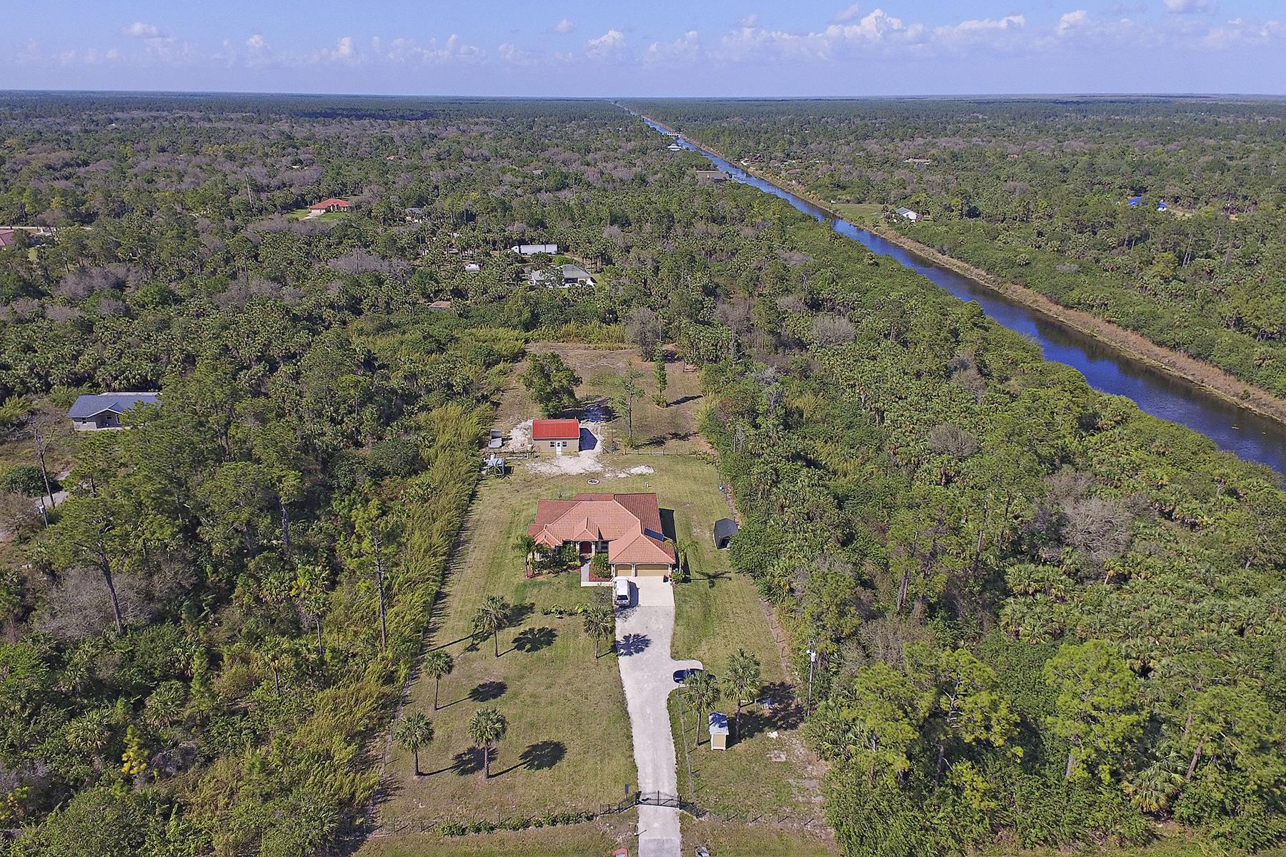 Maison unifamiliale pour l Vente à GOLDEN GATE ESTATES 3837 28th Ave SE Naples, Florida, 34117 États-Unis