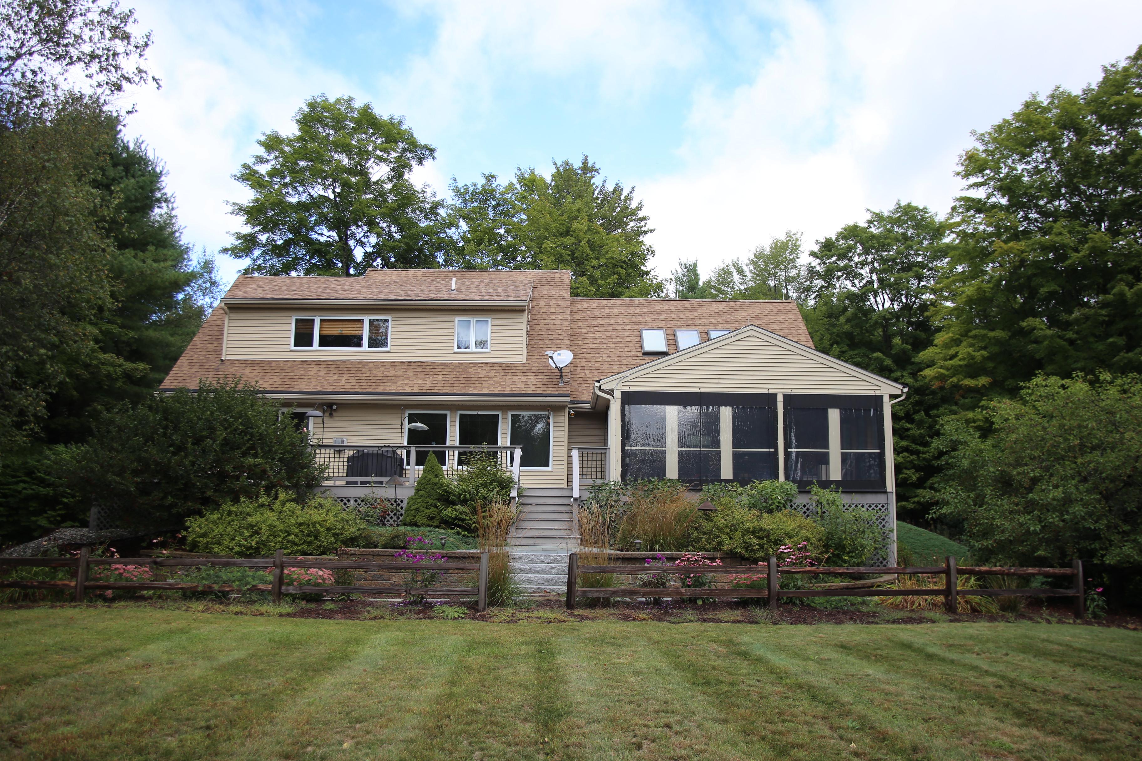 Maison unifamiliale pour l Vente à 20 Clarke, Wilmot 20 Clarke Rd Wilmot, New Hampshire, 03287 États-Unis