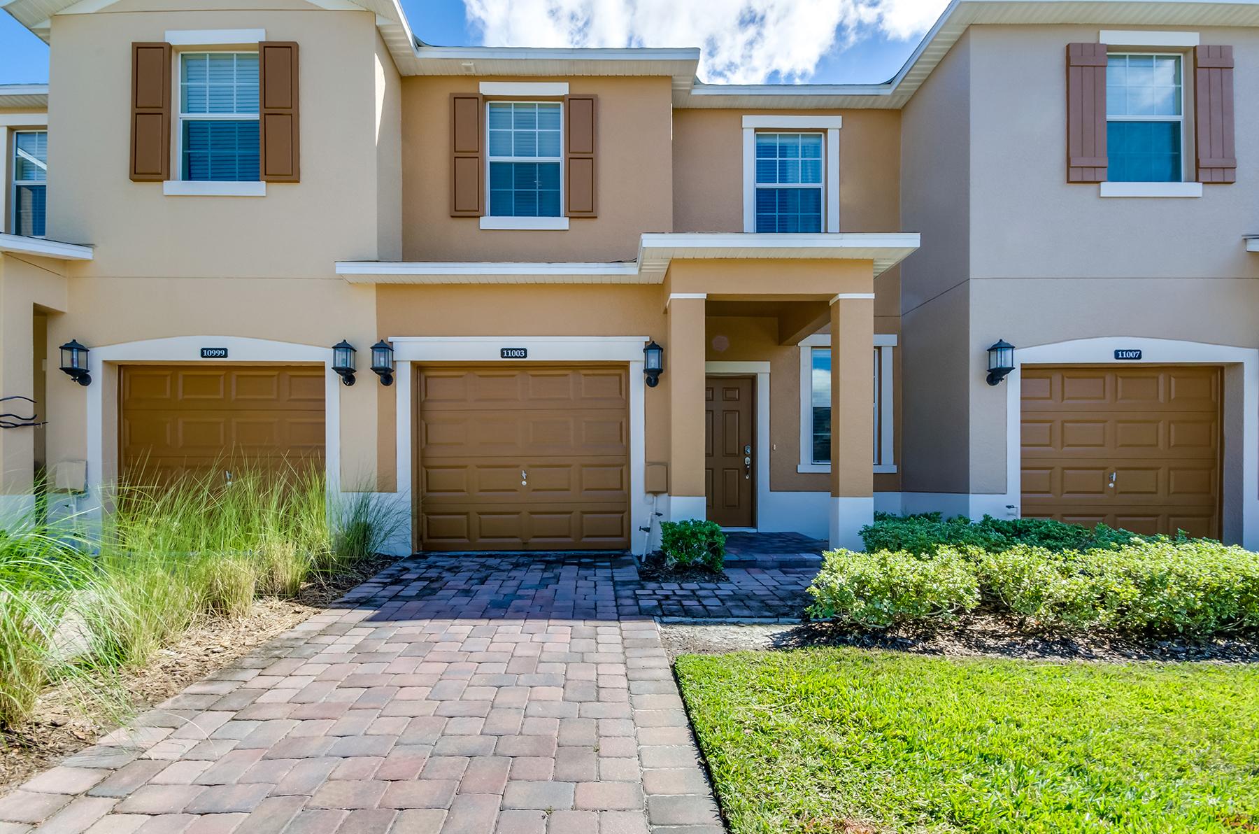 Nhà phố vì Bán tại ORLANDO 11003 Savannah Landing Cir Orlando, Florida, 32832 Hoa Kỳ
