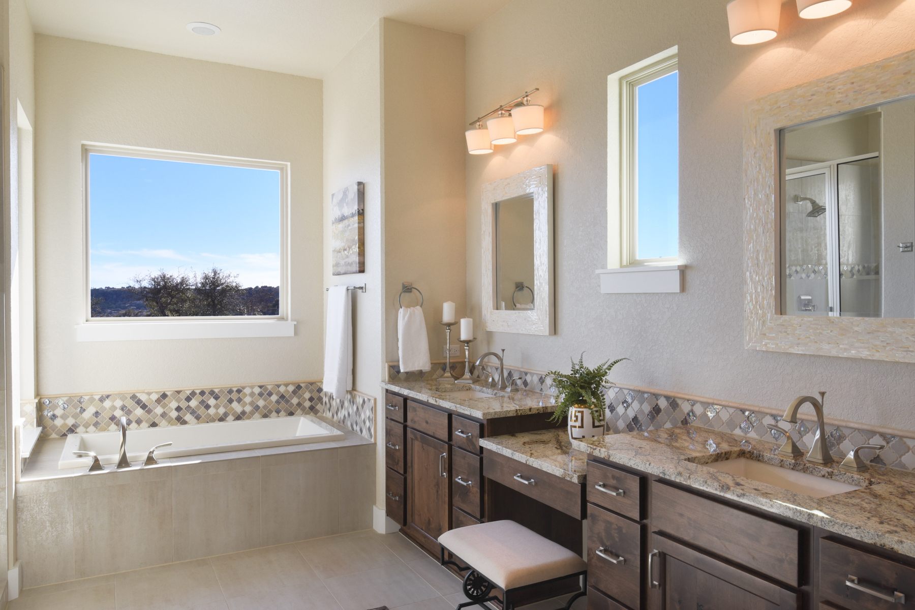 Additional photo for property listing at New Custom Home in Tapatio Springs 249 Preston Trl Boerne, Texas 78006 United States