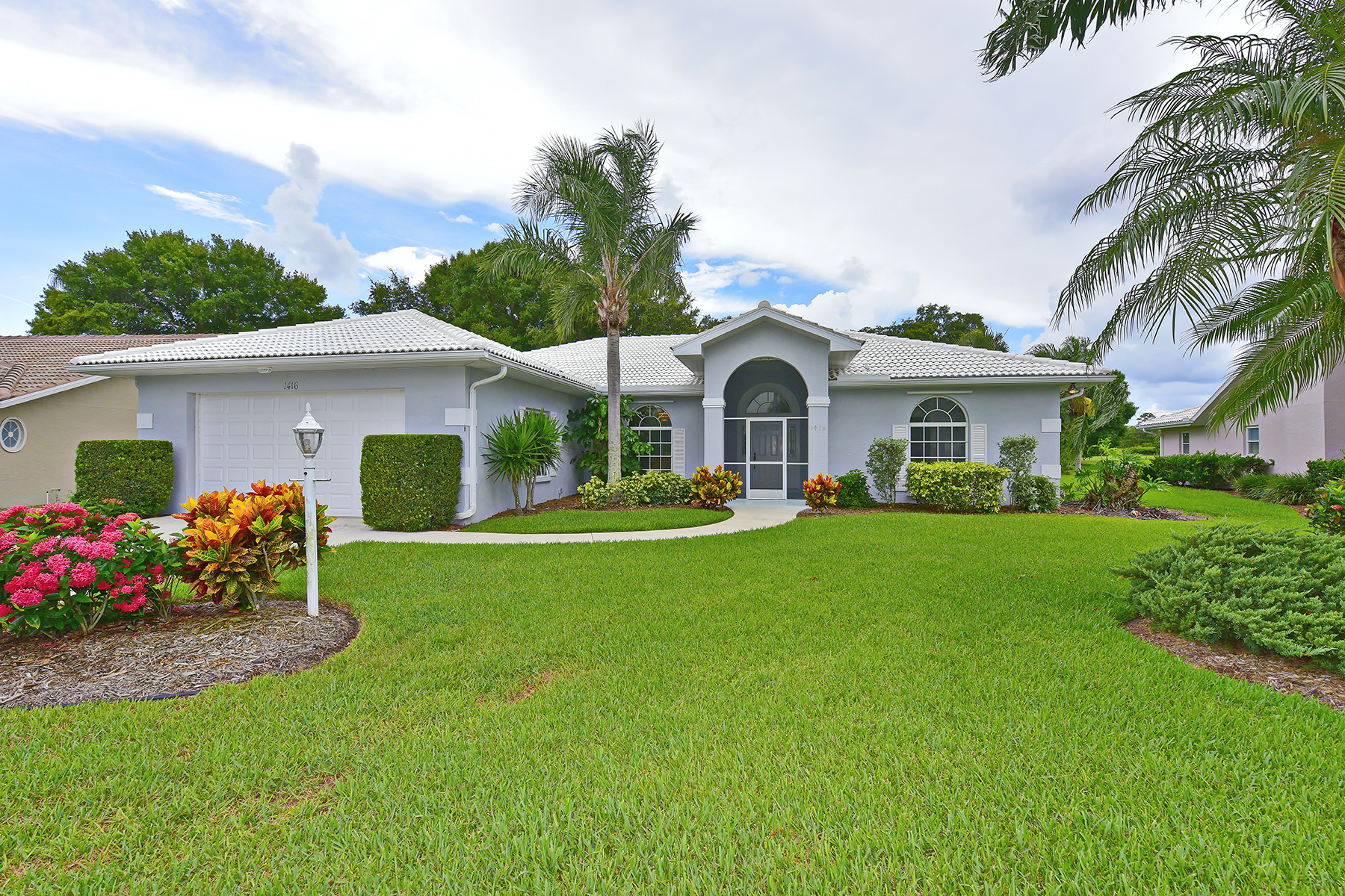 Single Family Home for Sale at WATERFORD 1416 Gleneagles Dr Venice, Florida 34292 United States