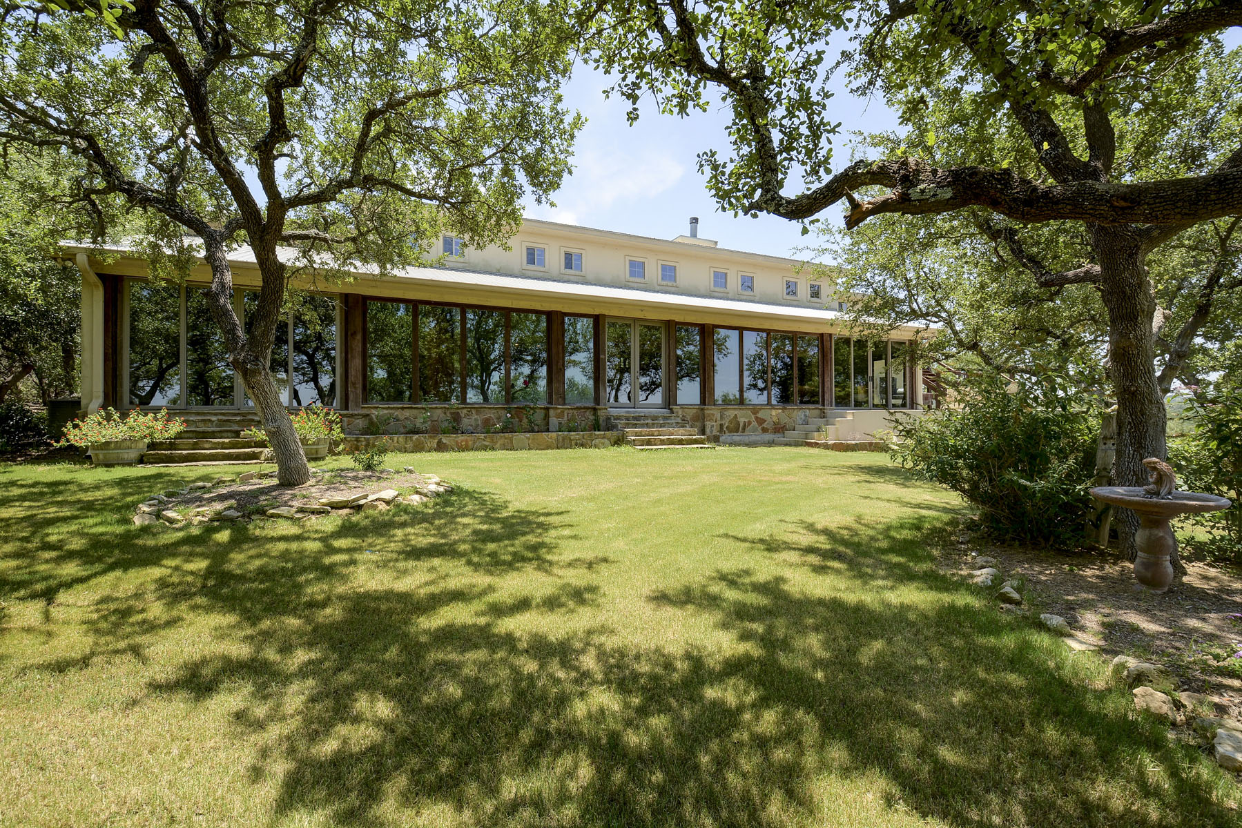 Ferme / Ranch / Plantation pour l Vente à Panoramic Views of the Texas Hill Country 140 Granite Ridge Dr Spicewood, Texas, 78669 États-Unis