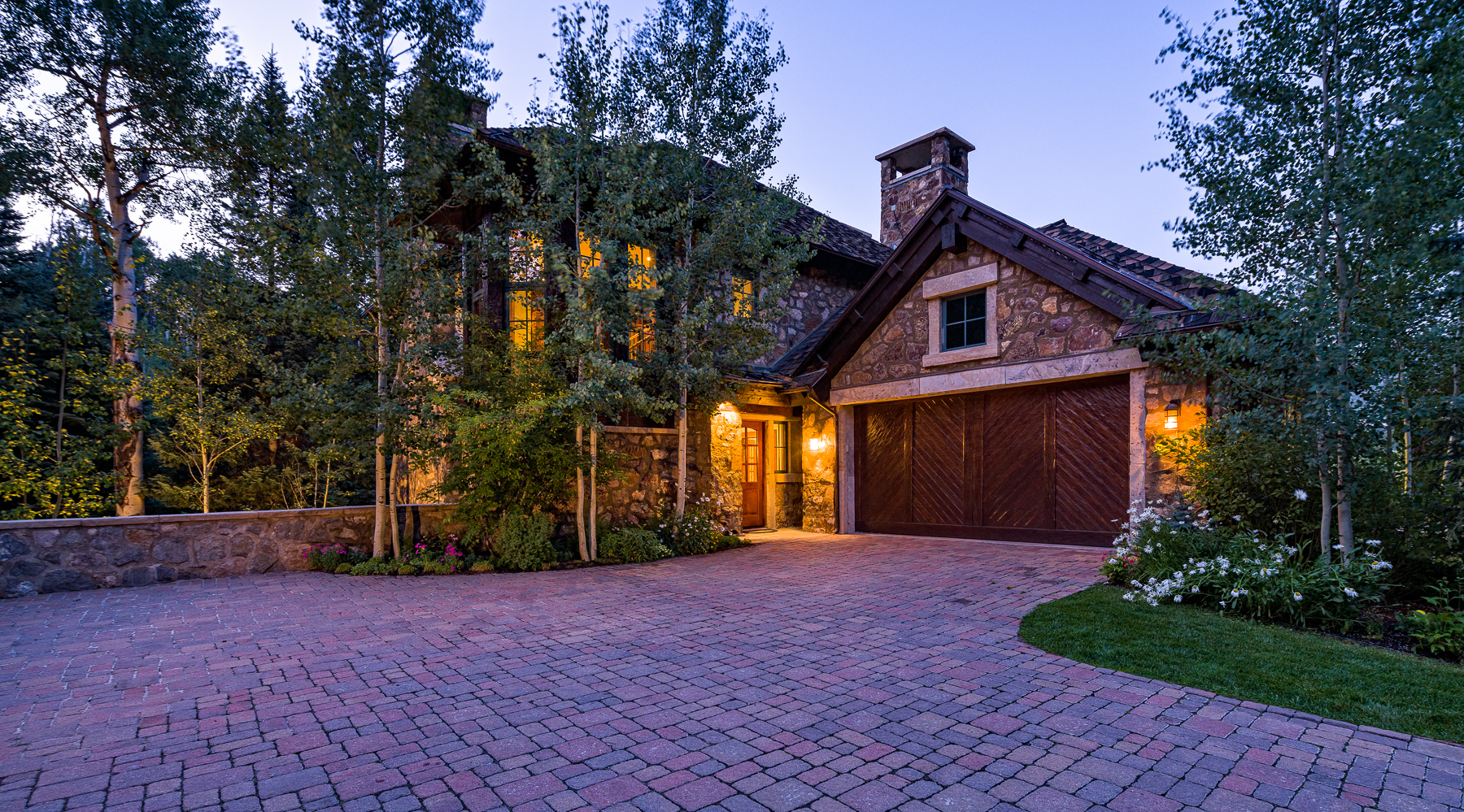 Duplex pour l Vente à Rare Creekside Village Walk Home 55 Village Walk Beaver Creek, Colorado, 81620 États-Unis