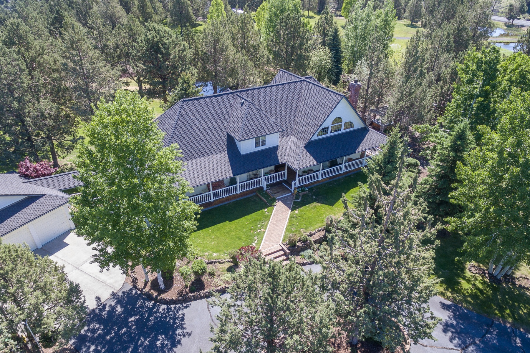 独户住宅 为 销售 在 21936 Bear Creek, BEND 21936 Bear Creek Rd 本德, 俄勒冈州, 97701 美国
