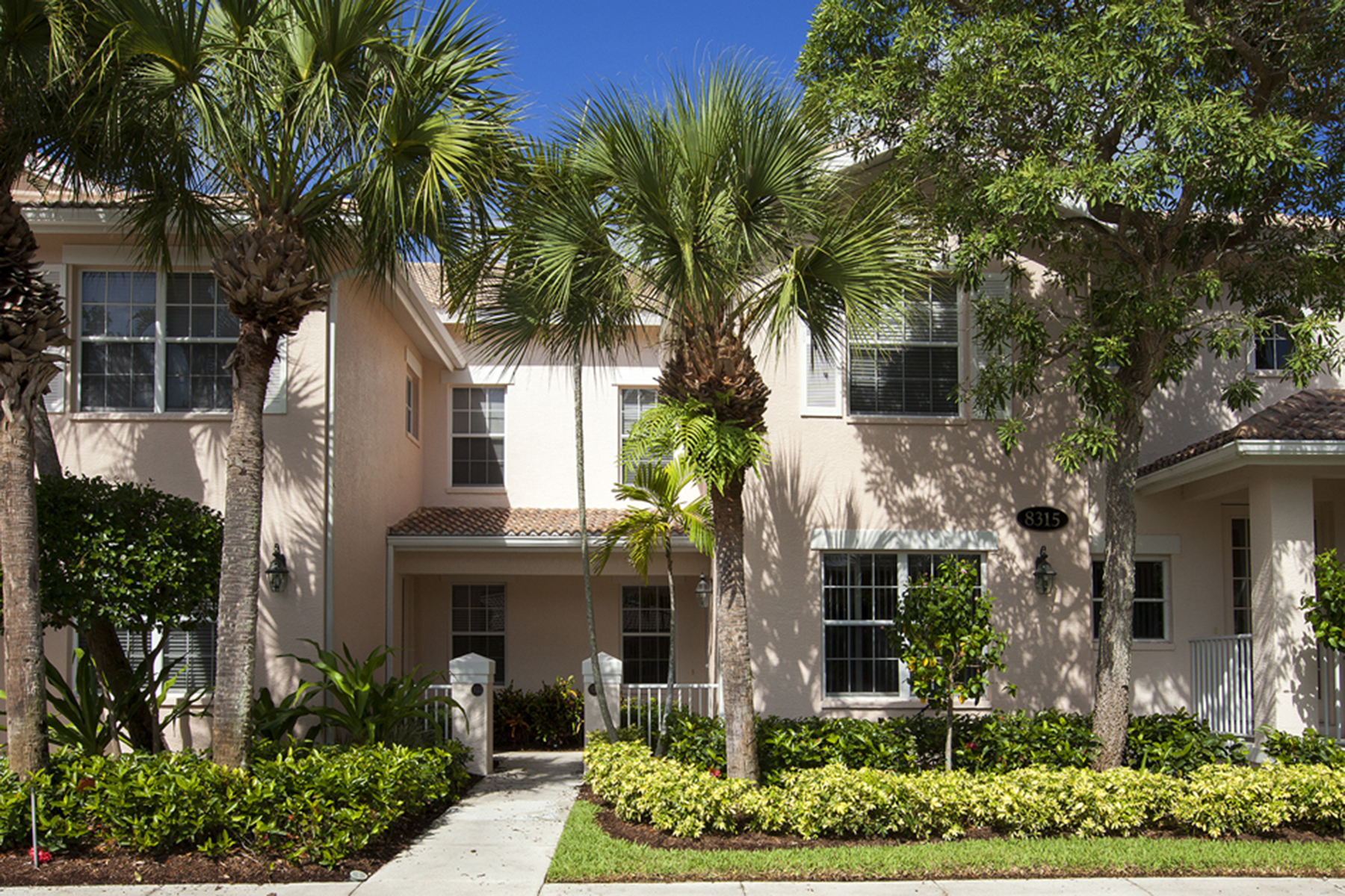Condominio per Vendita alle ore FIDDLER'S CREEK - WHISPER TRACE 8315 Whisper Trace Way 104 Naples, Florida 34114 Stati Uniti