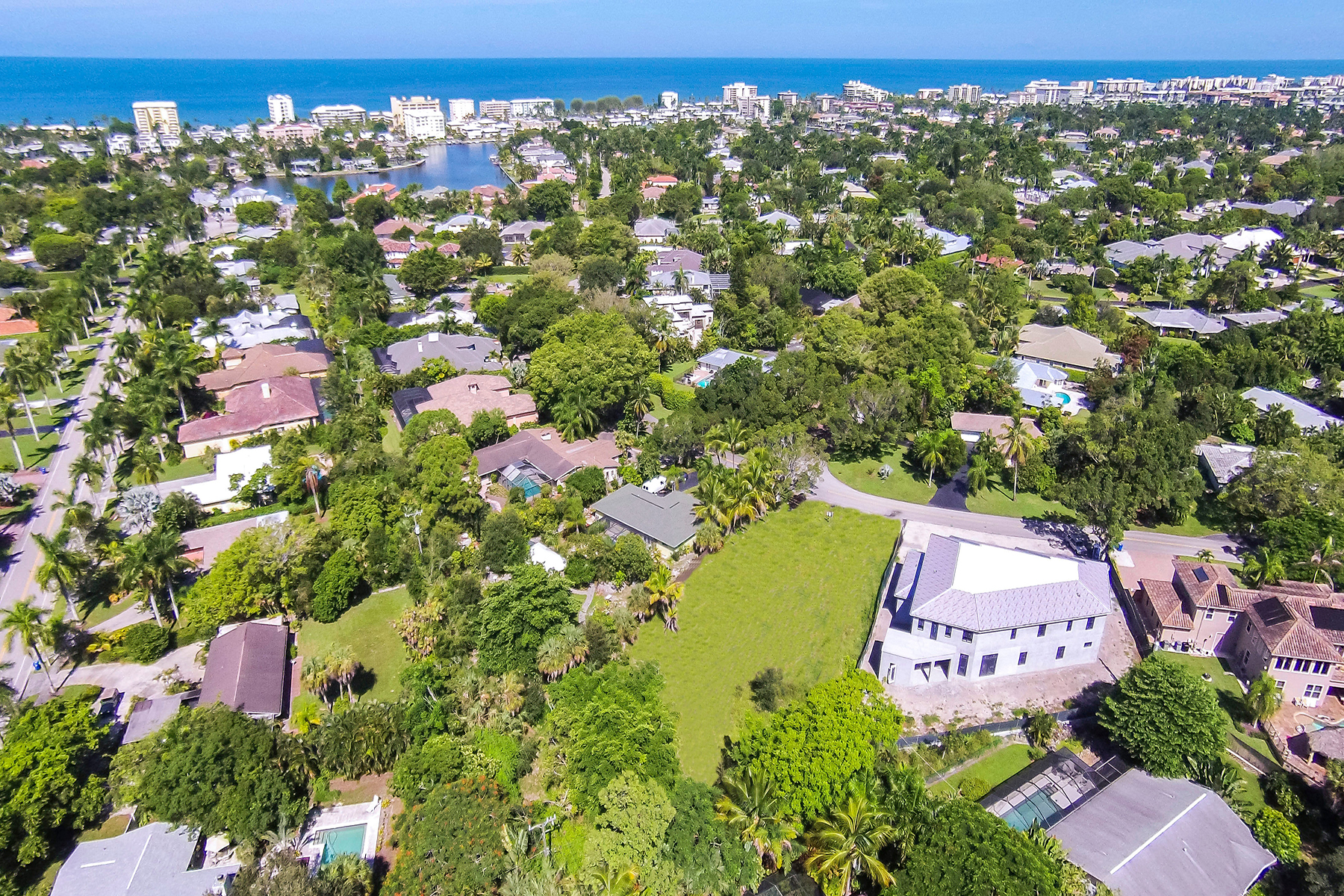 Land for Sale at THE MOORINGS 708 Springline Dr Naples, Florida 34102 United States