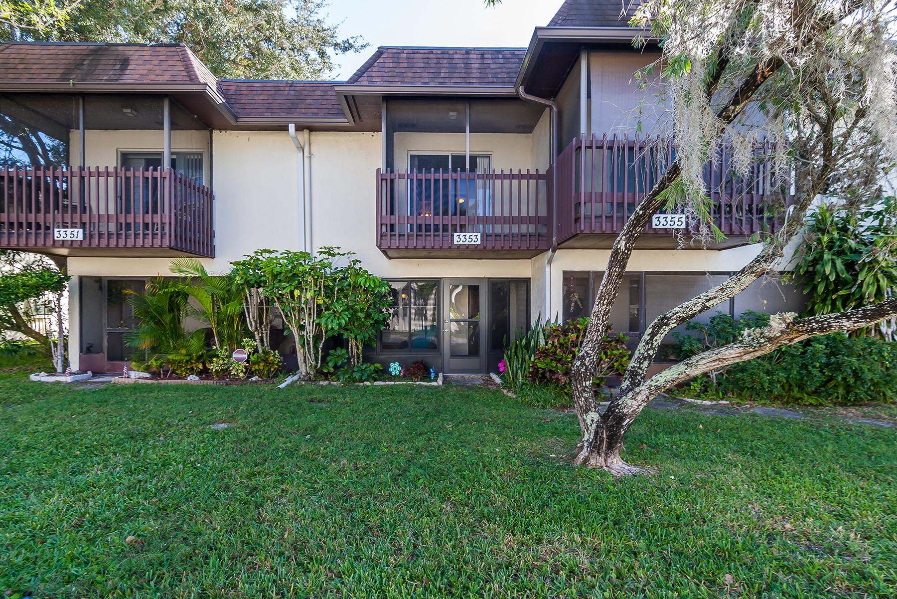 Townhouse for Sale at RAMBLEWOOD ACRES 3353 Ramblewood Dr N 35C2 Sarasota, Florida, 34237 United States