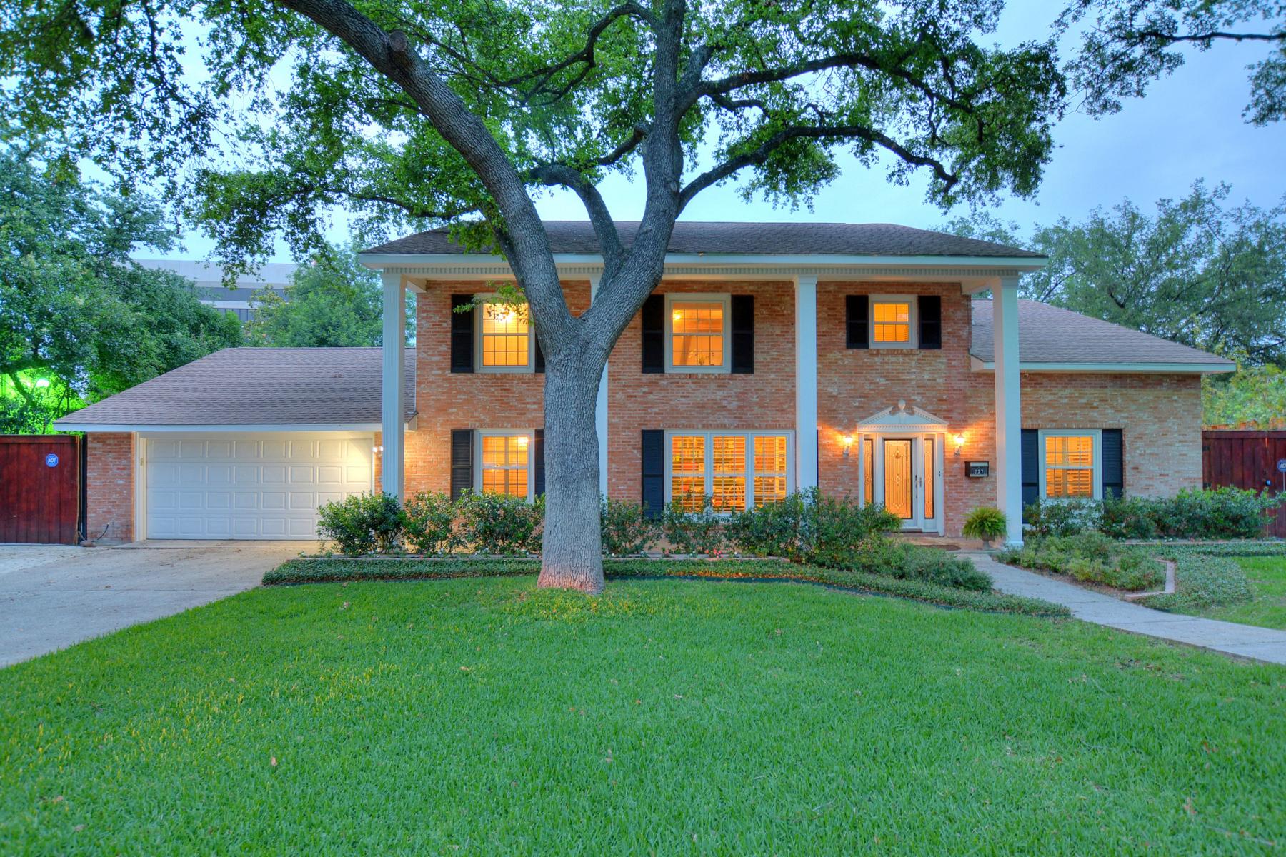 Maison unifamiliale pour l Vente à Beautiful Gem in Oak Park 227 Treasure Way Oak Park, San Antonio, Texas, 78209 États-Unis