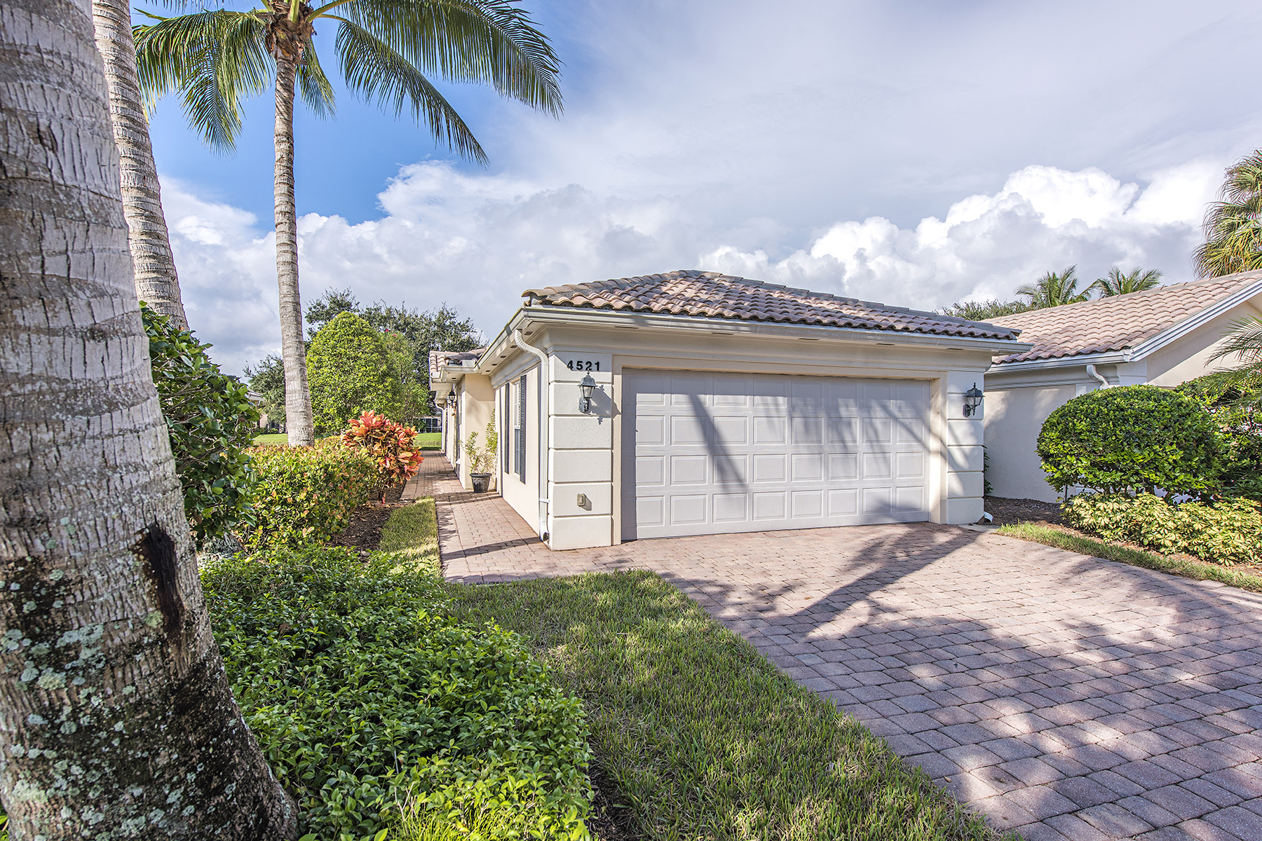Single Family Home for Sale at ISLAND WALK 4521 Ossabaw Way Naples, Florida, 34119 United States