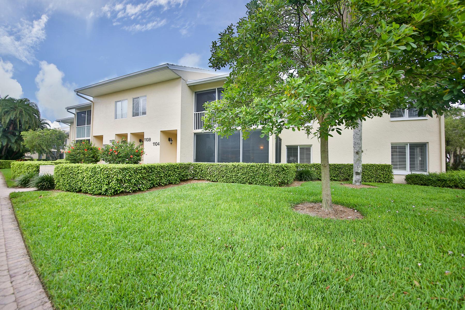 Condomínio para Venda às PELICAN BAY - GLENCOVE 5813 Glencove Dr 1104 Naples, Florida, 34108 Estados Unidos
