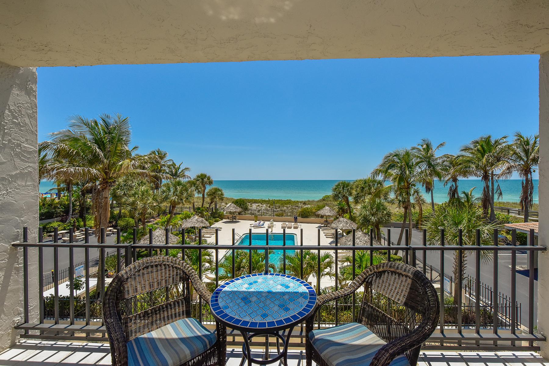 Condominio por un Venta en LIDO BEACH 1212 Benjamin Franklin Dr 202 Sarasota, Florida, 34236 Estados Unidos