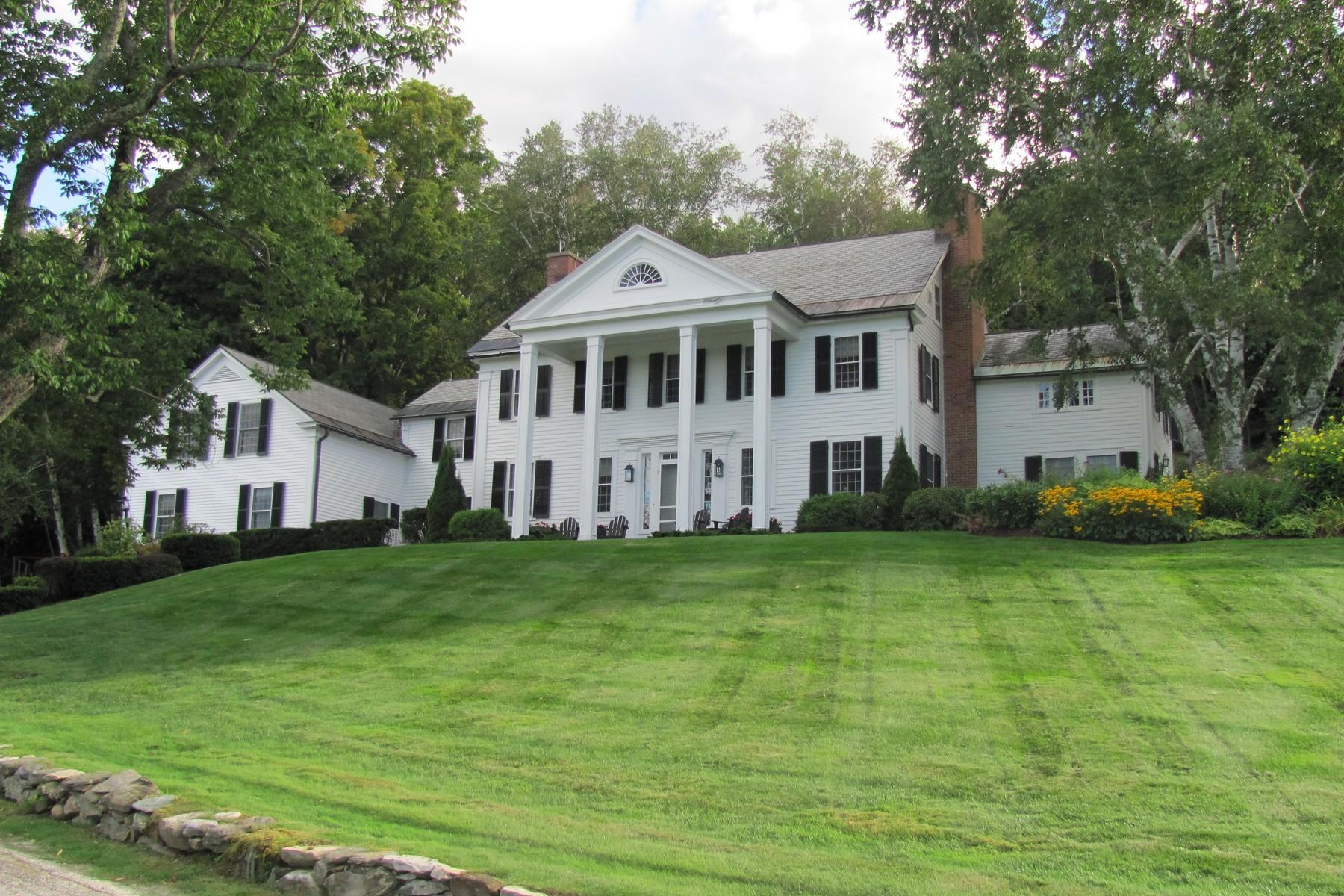 Casa Unifamiliar por un Venta en 821 Nichols Hill Road, Dorset 821 Nichols Hill Rd Dorset, Vermont 05251 Estados Unidos
