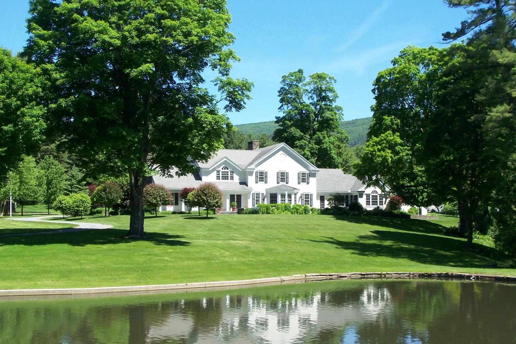 Casa Unifamiliar por un Venta en 155 Cascades Road, Manchester 155 Cascades Rd Manchester, Vermont, 05254 Estados Unidos