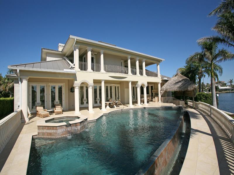 Einfamilienhaus für Verkauf beim PARK SHORE 308 Neapolitan Way Naples, Florida 34103 Vereinigte Staaten