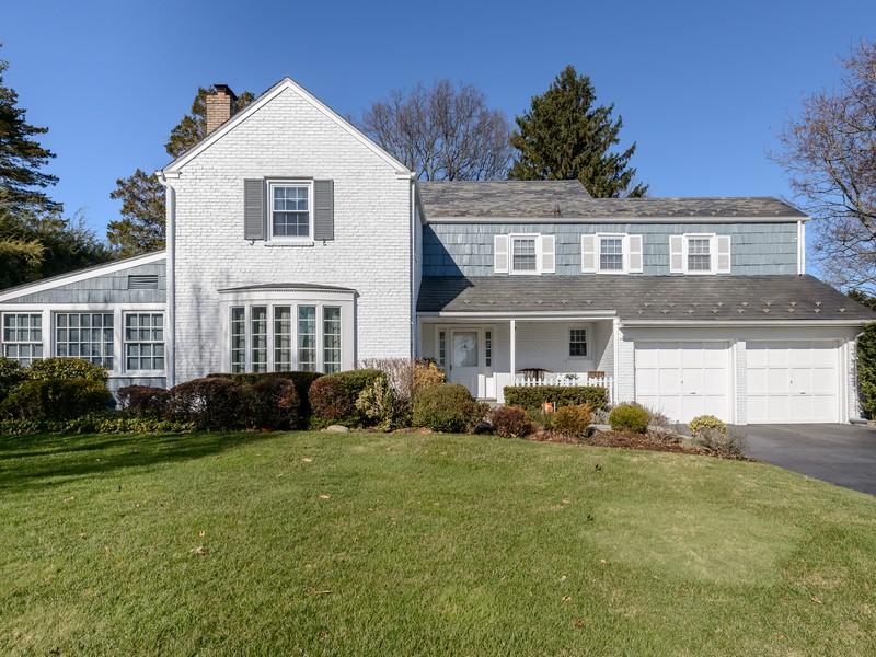 一戸建て のために 売買 アット Colonial 169 Kensett Rd Manhasset, ニューヨーク 11030 アメリカ合衆国
