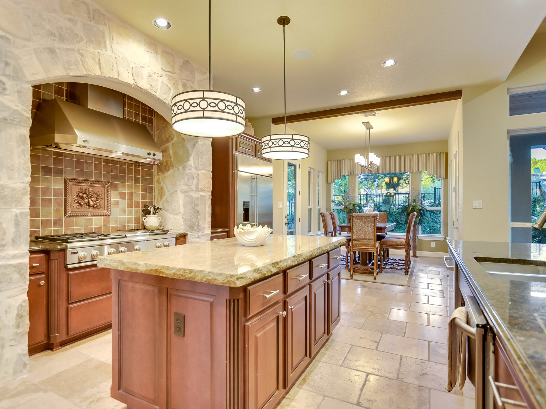 Additional photo for property listing at Beautiful Bell Montagna Home 308 Bella Montagna Lakeway, Texas 78734 United States