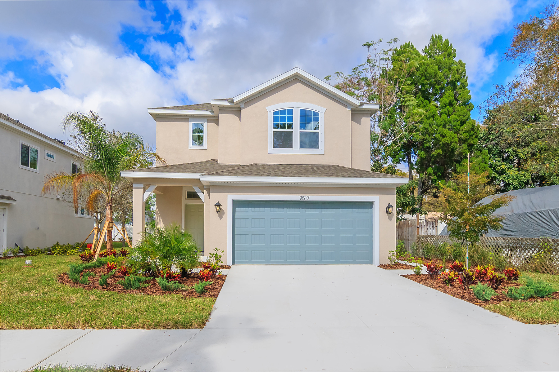 Single Family Home for Sale at RUSTIC PARK 2517 Prospect St Sarasota, Florida, 34239 United States