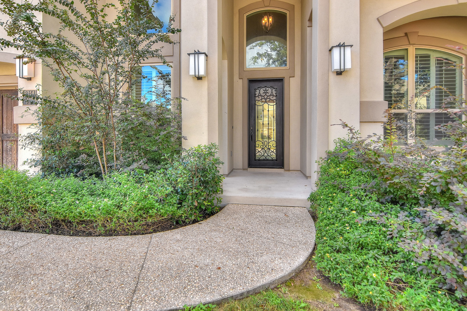 Additional photo for property listing at Mediterranean Beauty in Estates of Alon 2314 Dunmore Hill San Antonio, Texas 78230 United States