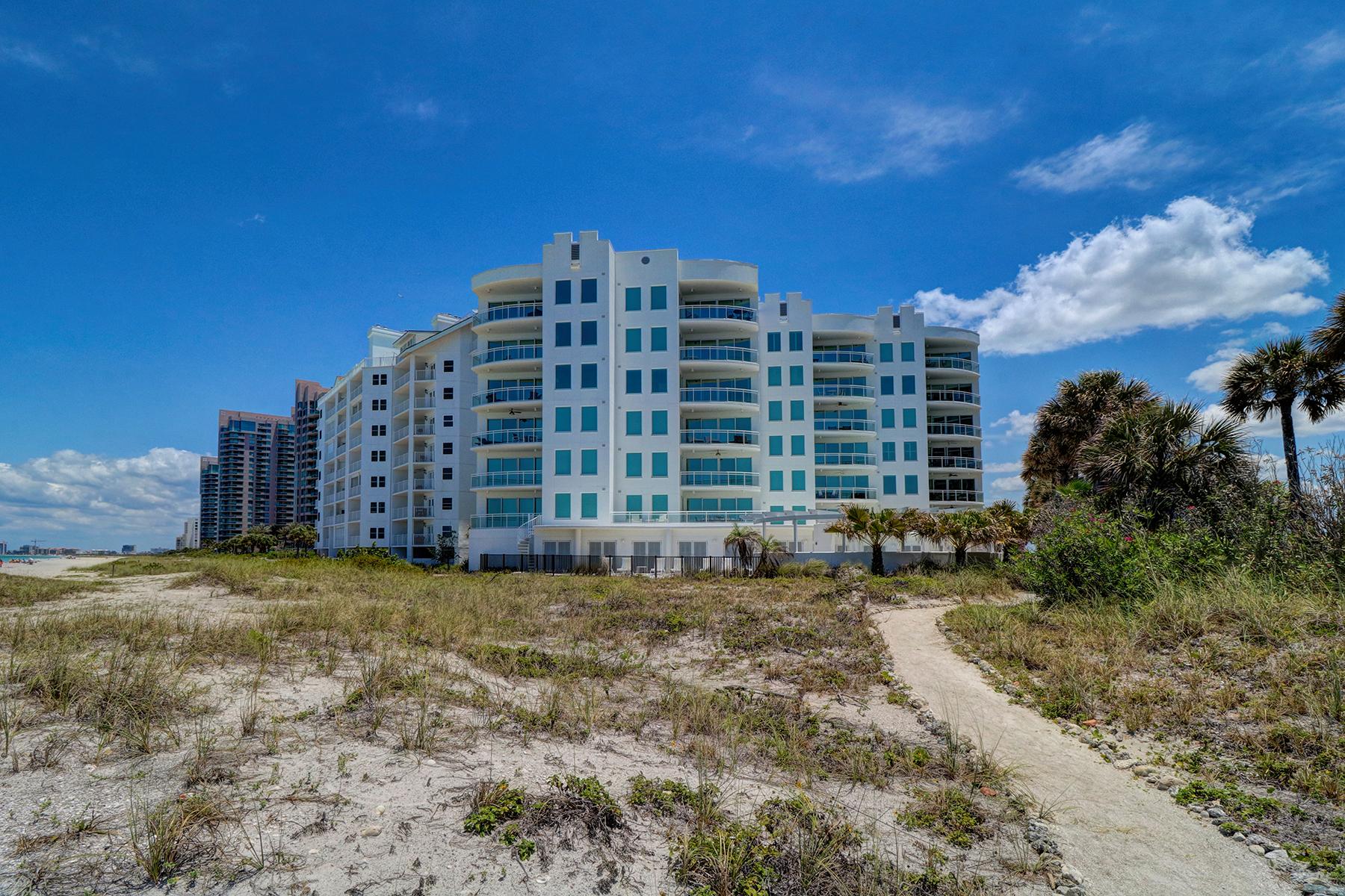 콘도미니엄 용 매매 에 CLEARWATER 1590 Gulf Blvd 203 Clearwater Beach, 플로리다, 33767 미국