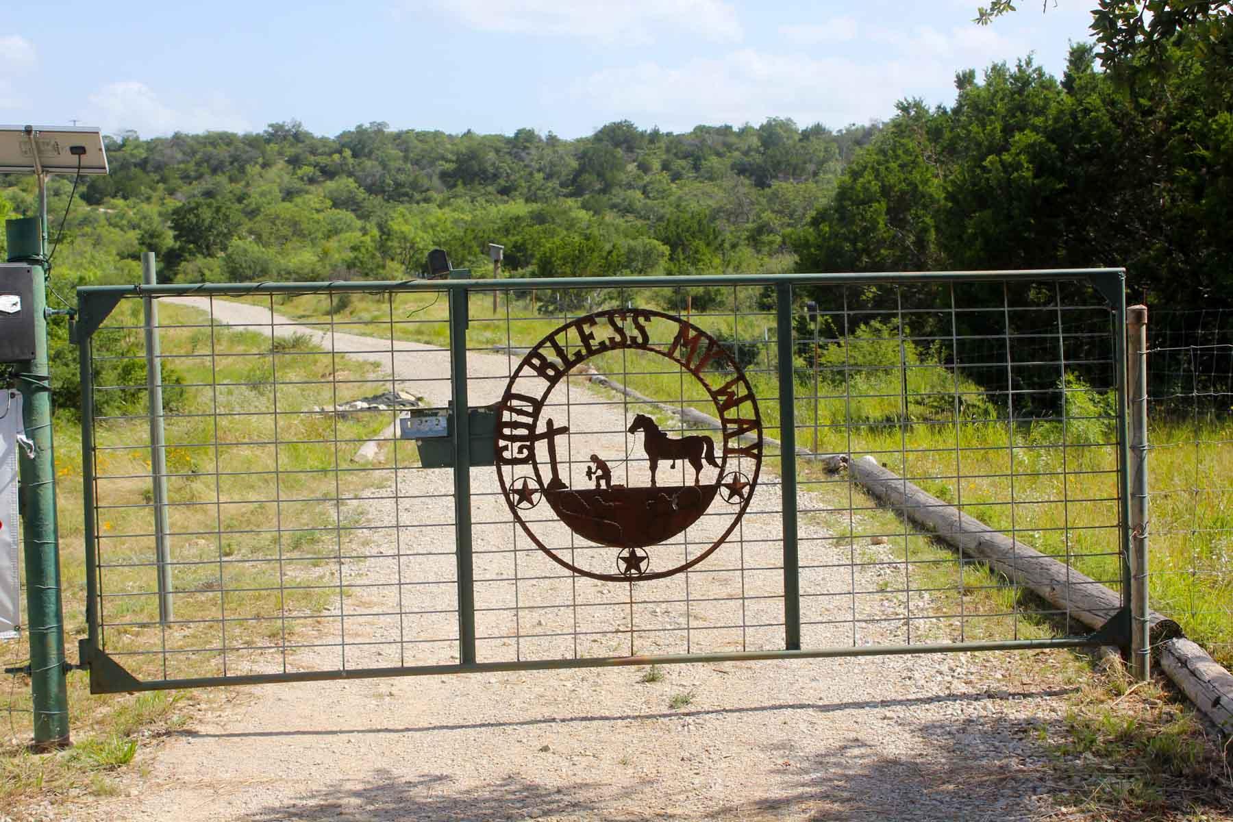 Granjas / Hacienda / Platanción por un Venta en 190 Private Road, Rochelle 190 Private Rd Rochelle, Texas 76825 Estados Unidos
