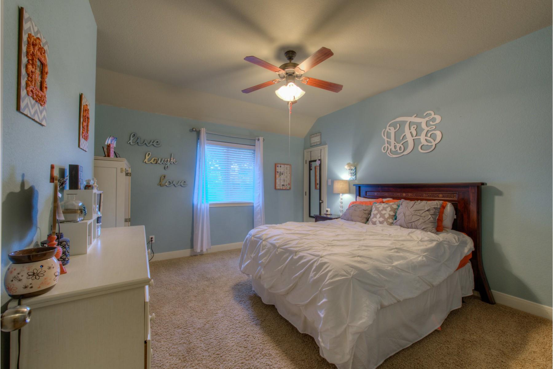 Additional photo for property listing at Cedar Park One Story Jewel 732 Nelson Ranch Rd Cedar Park, Texas 78613 Estados Unidos