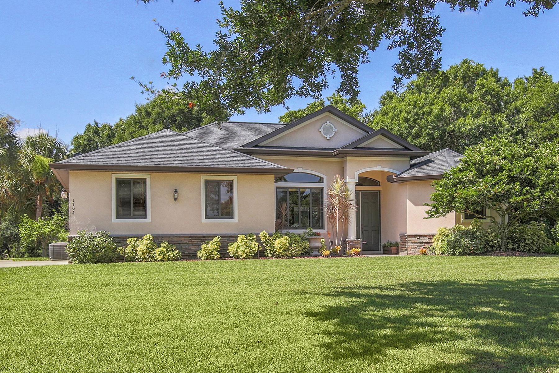 Casa Unifamiliar por un Venta en MISSION VALLEY 1304 Mustang St Nokomis, Florida, 34275 Estados Unidos