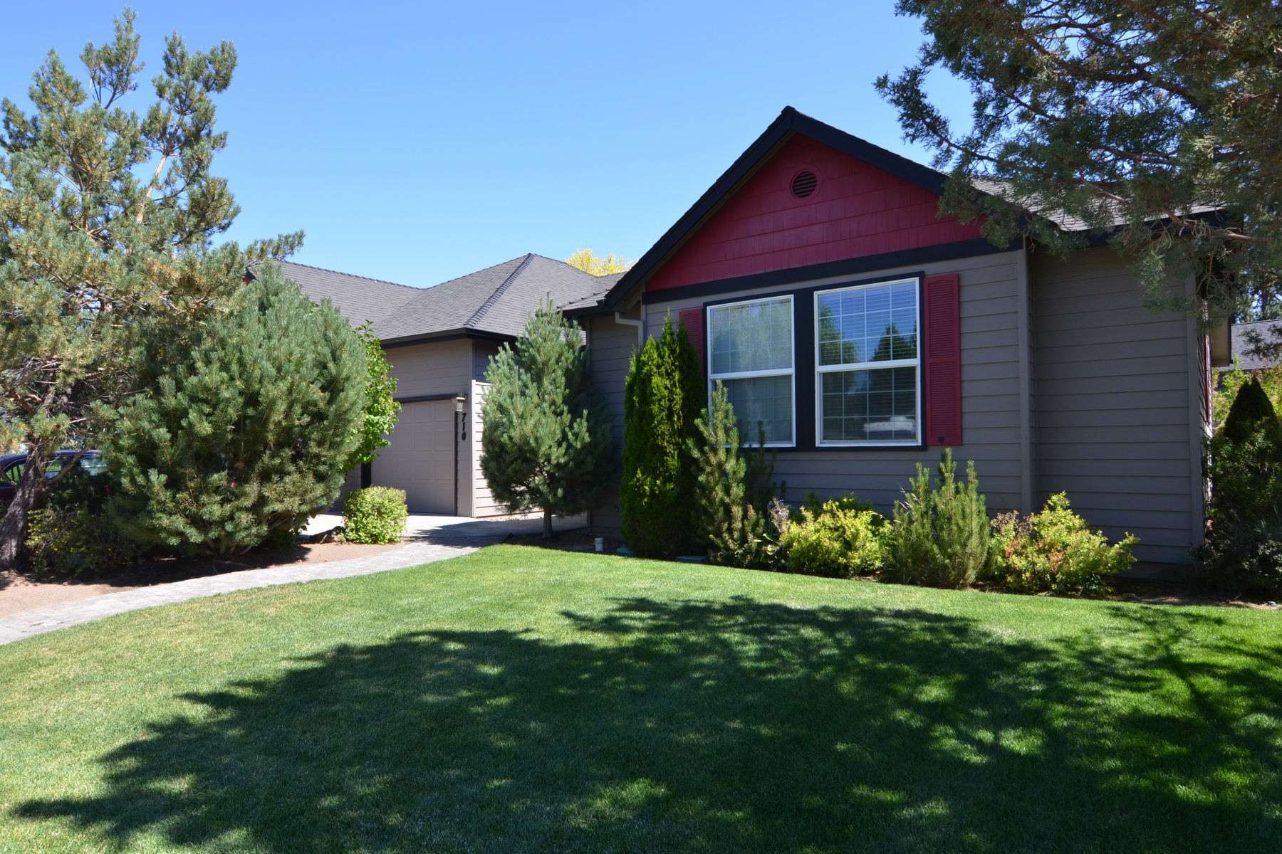Single Family Home for Sale at 710 SE Shadowood Drive, BEND Bend, Oregon, 97702 United States
