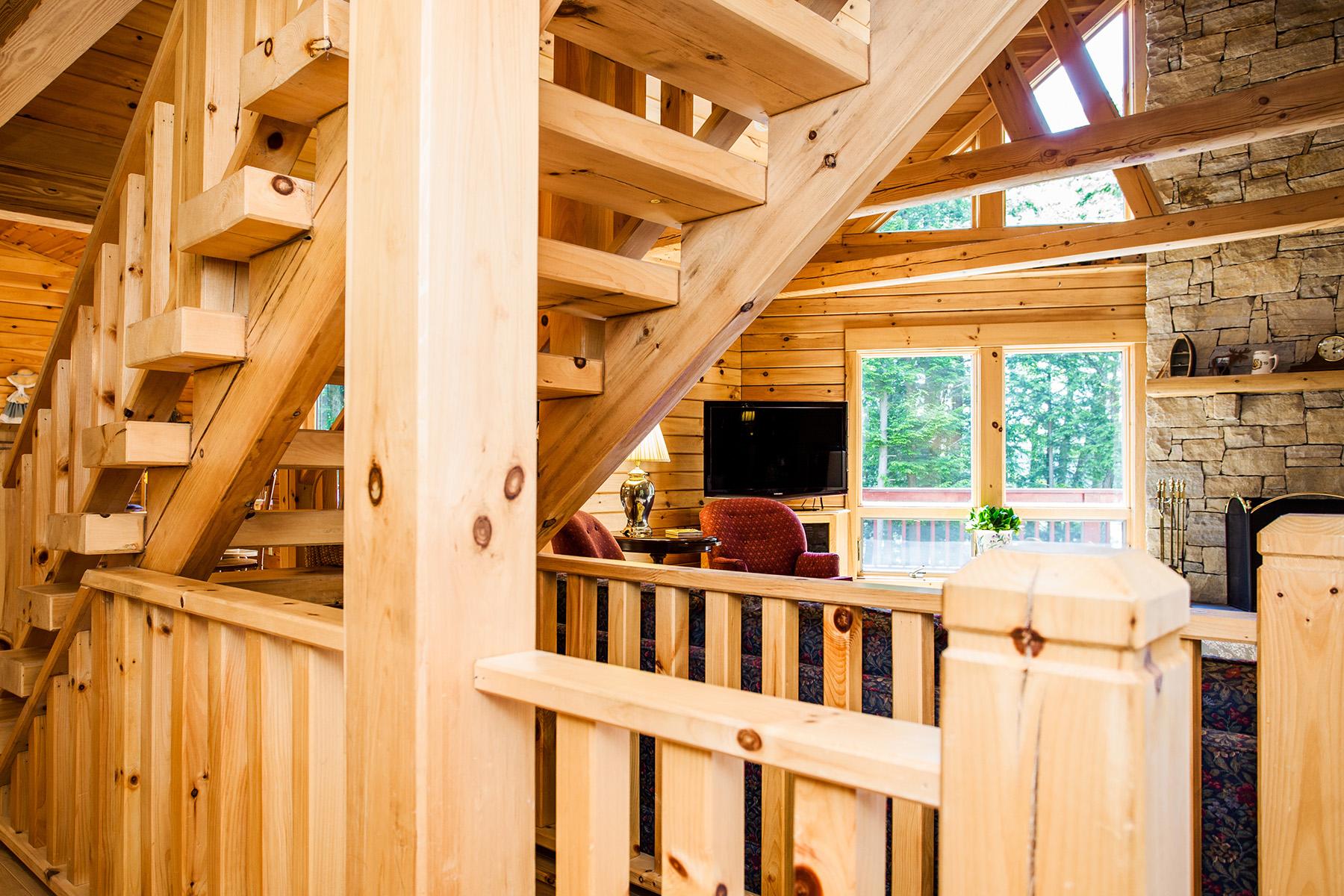 Additional photo for property listing at Lake Luzerne Log Home 337  Lake Tour Rd 苜蓿湖, 纽约州 12846 美国