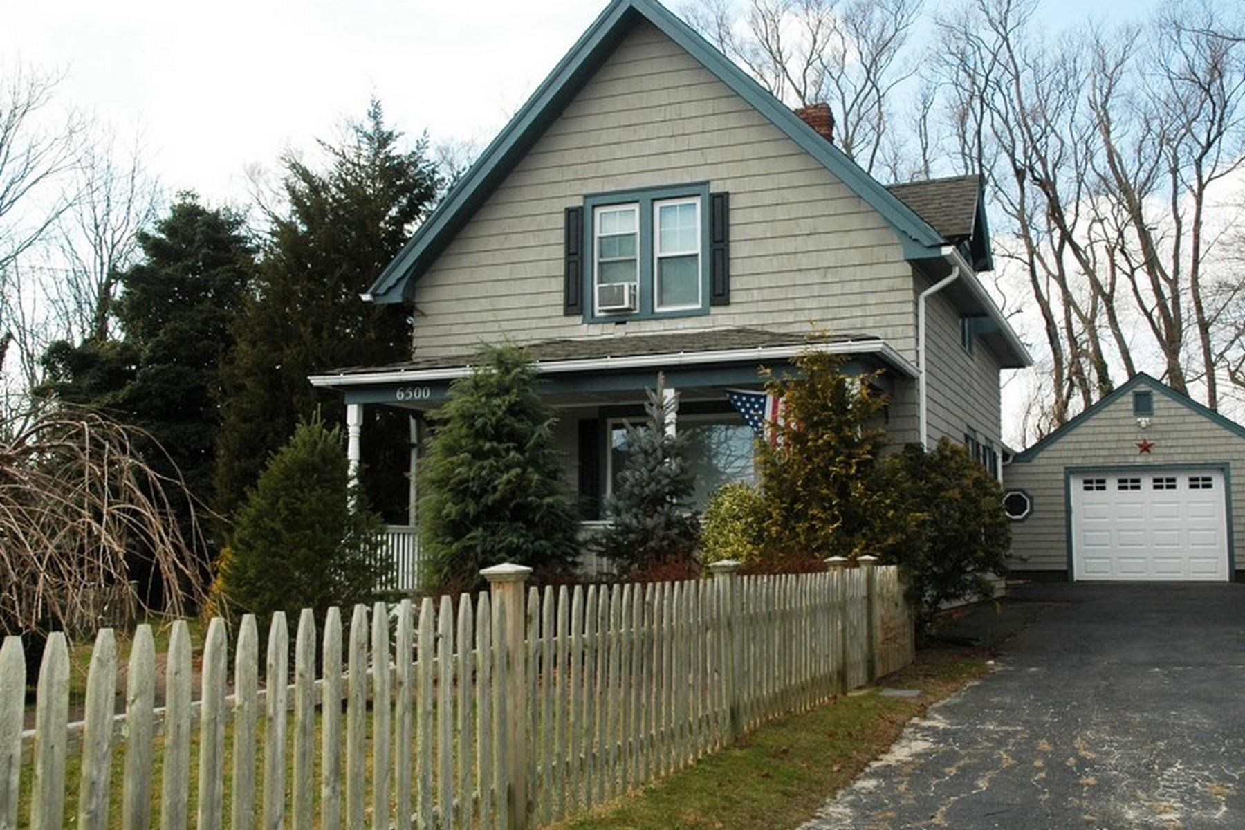 Einfamilienhaus für Verkauf beim Farmhouse 6500 New Suffolk Rd New Suffolk, New York, 11956 Vereinigte Staaten